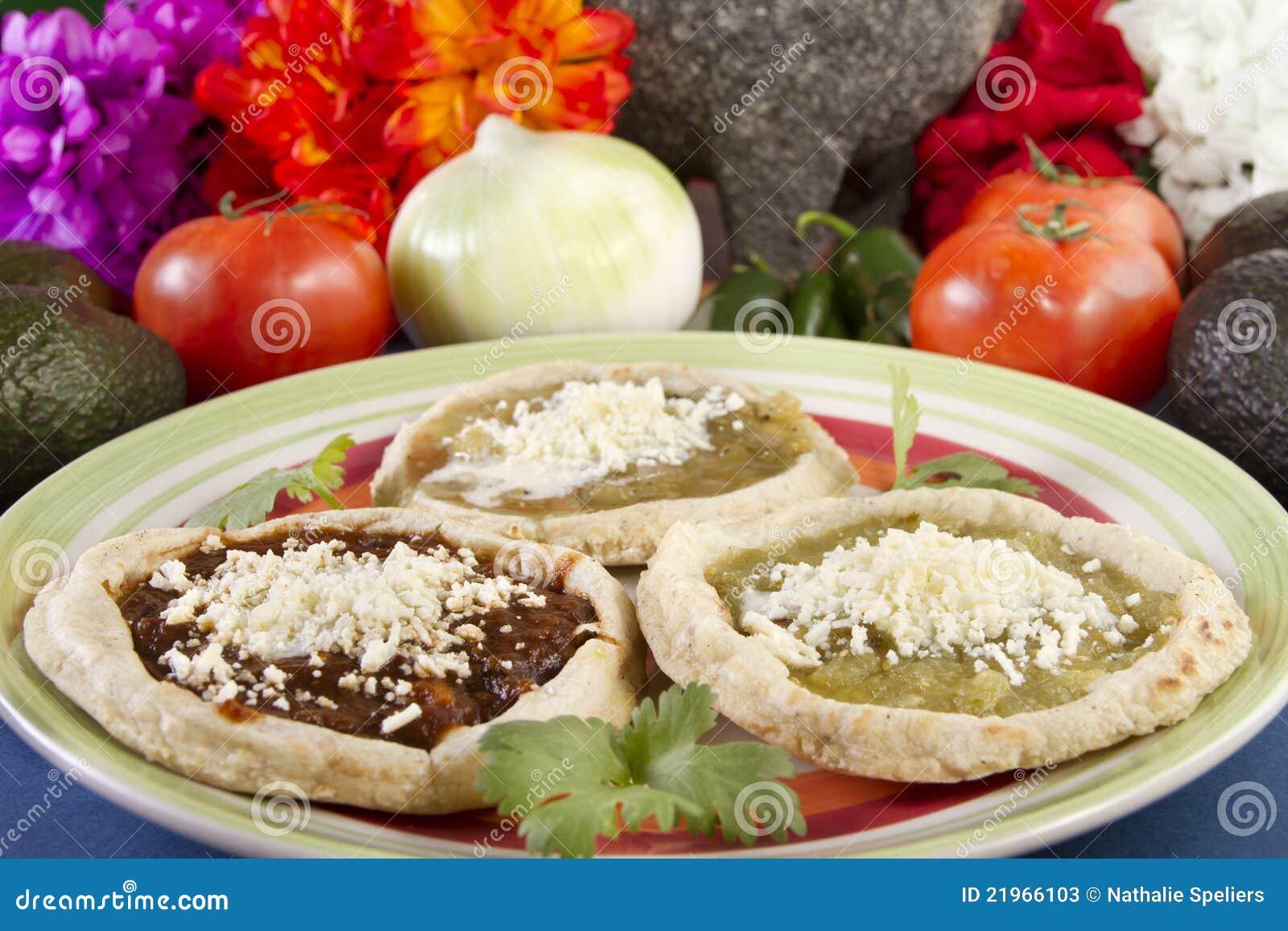 μεξικάνικα sopes πιάτων