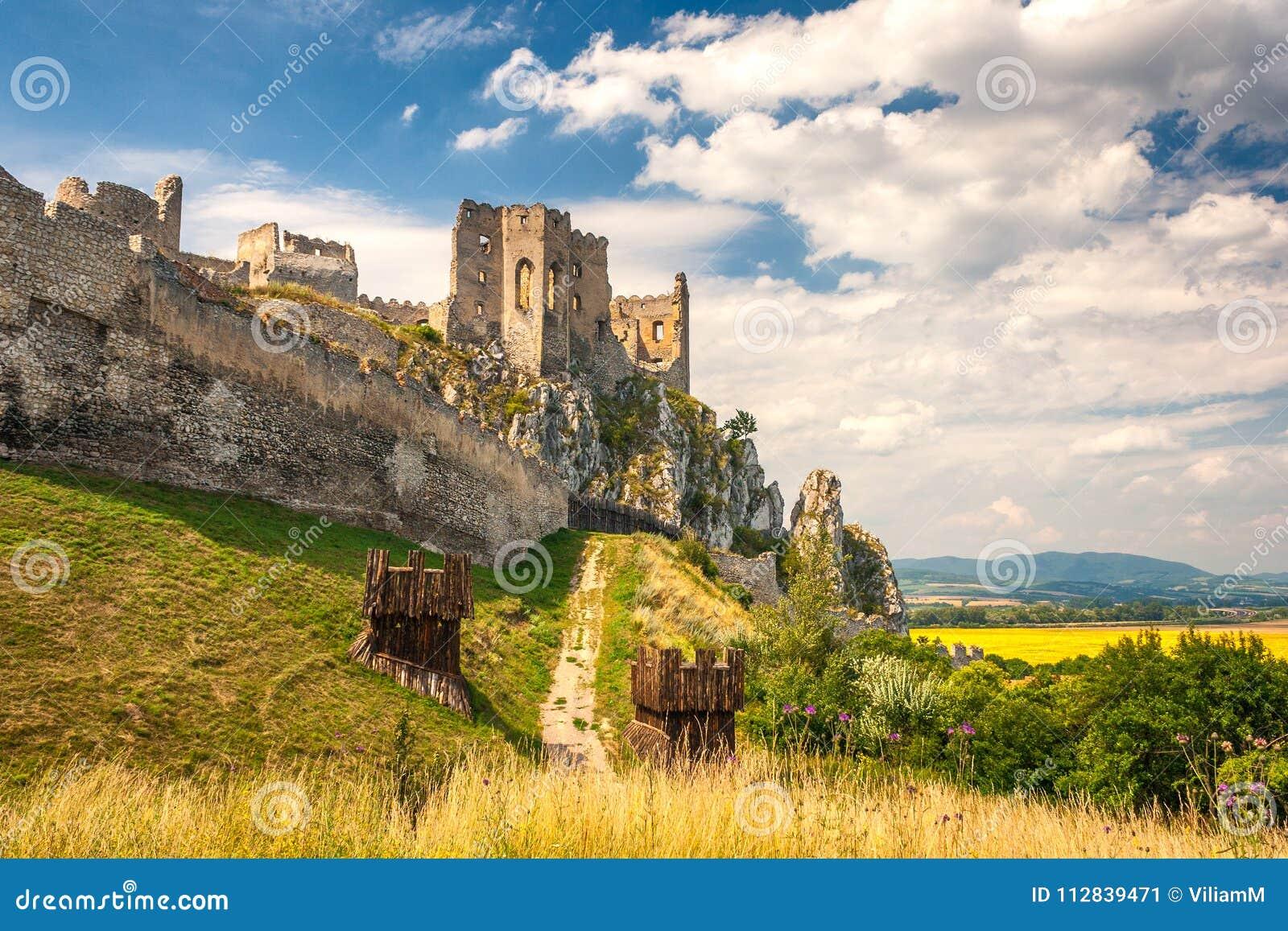 Μεσαιωνικό κάστρο Beckov, Σλοβακία