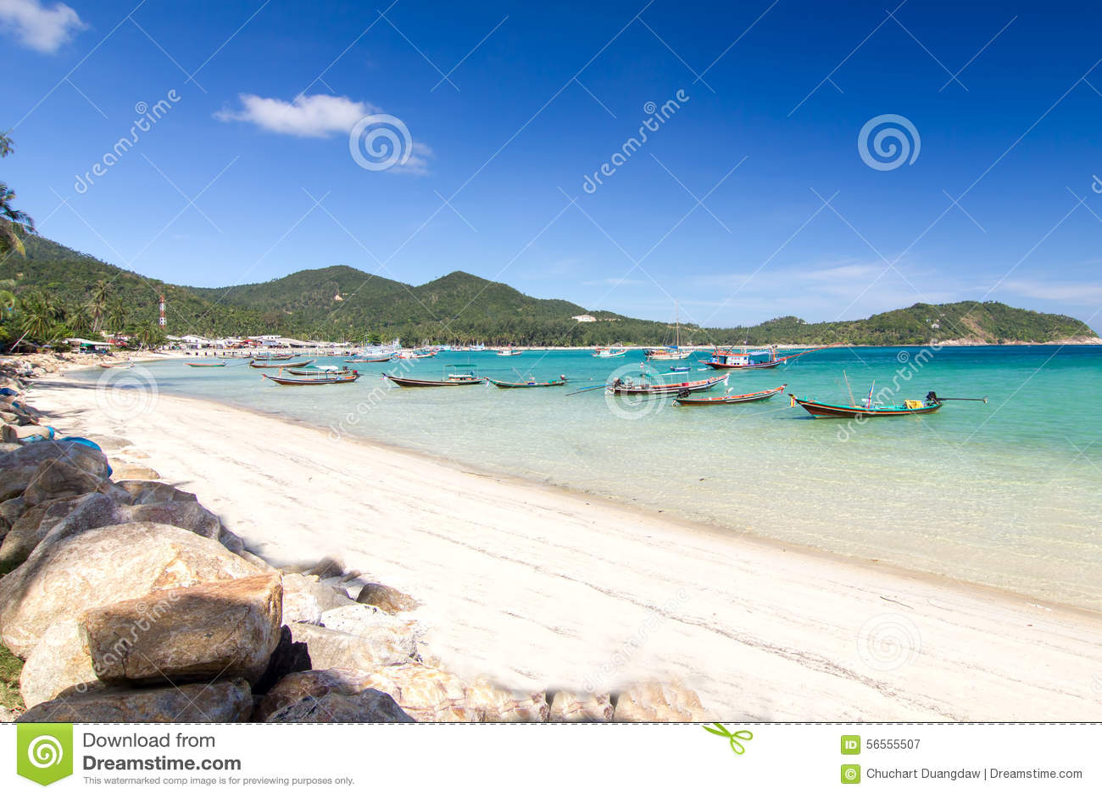Download Με μακριά ουρά βάρκα και η παραλία και ο μπλε ουρανός Koh Phangan, Sur Στοκ Εικόνα - εικόνα από νησί, πορτοκάλι: 56555507