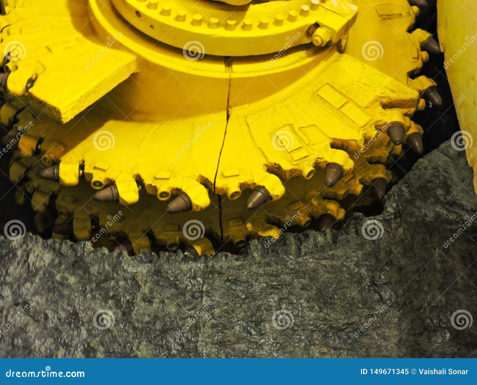 μηχανή τρυπανιών σηράγγων