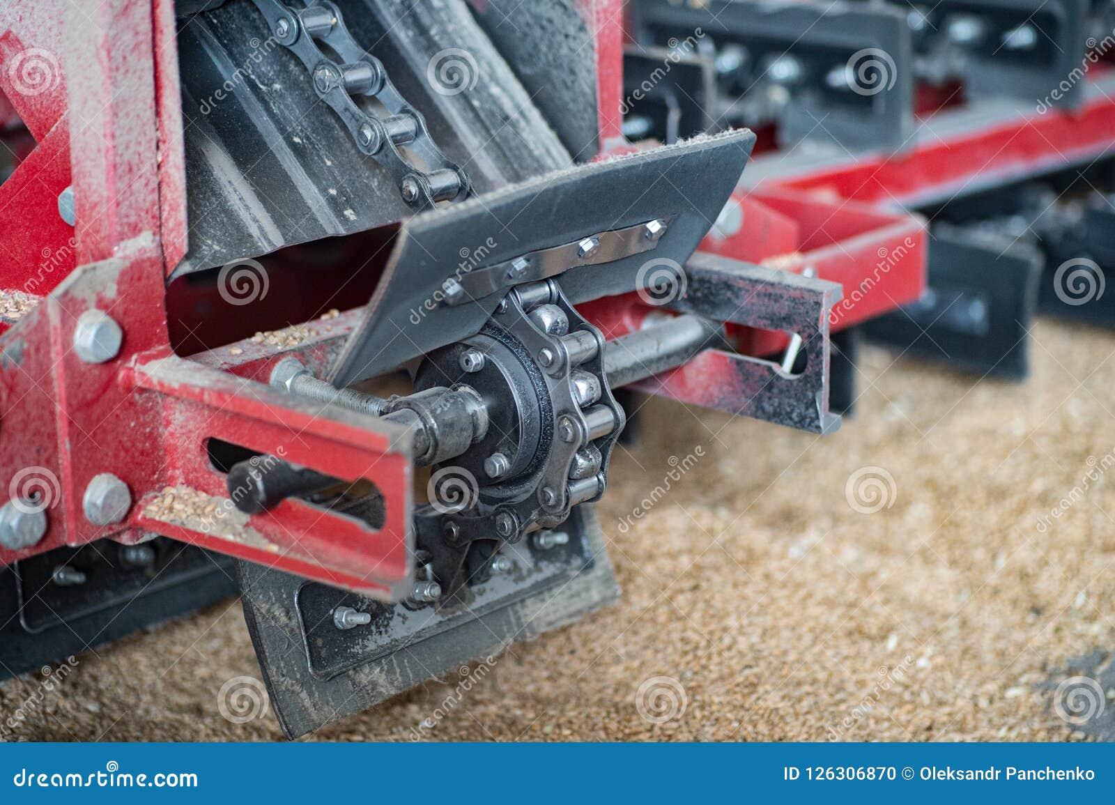 Μηχανισμός μεταφορέων αλυσίδων για τον καθαρισμό του σιταριού, κάνναβη