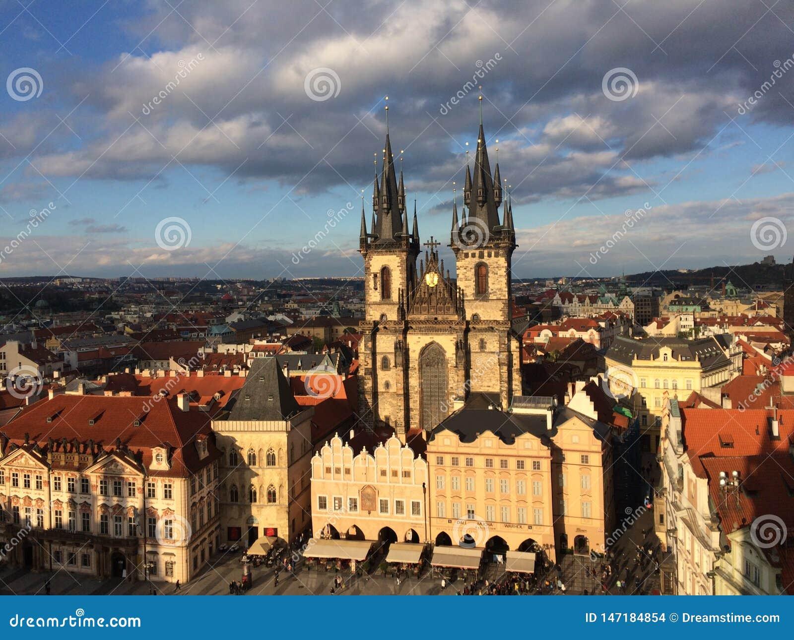 Μια άλλη άποψη ηλιοβασιλέματος στην Πράγα