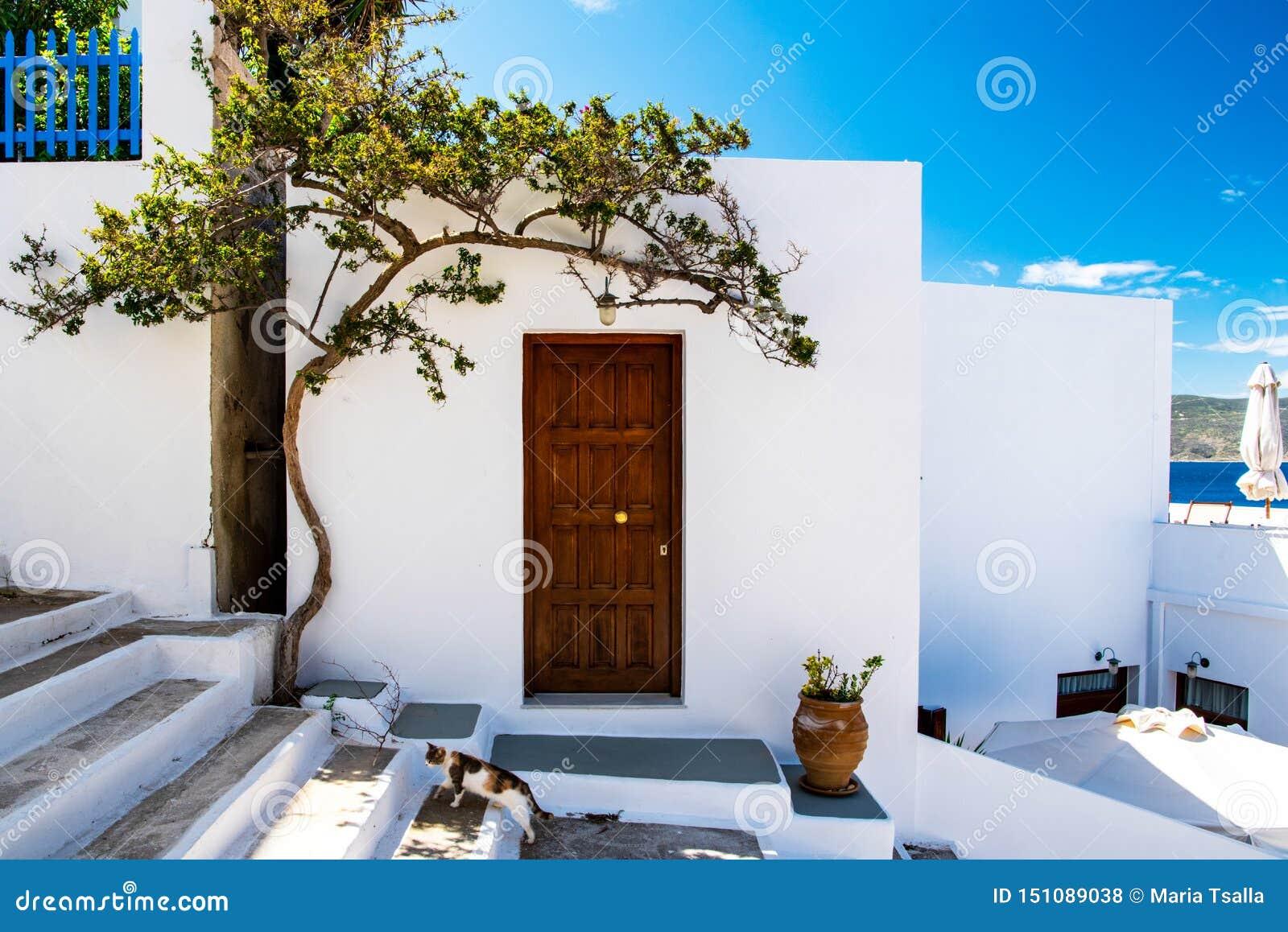 Μια παραδοσιακή αρχιτεκτονική Cycladic σε Adamas, Μήλος
