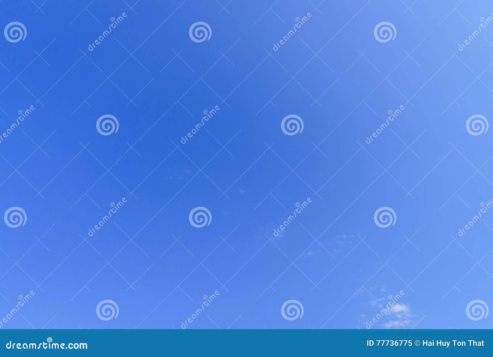 Μια υποστήριξη μπλε ουρανού