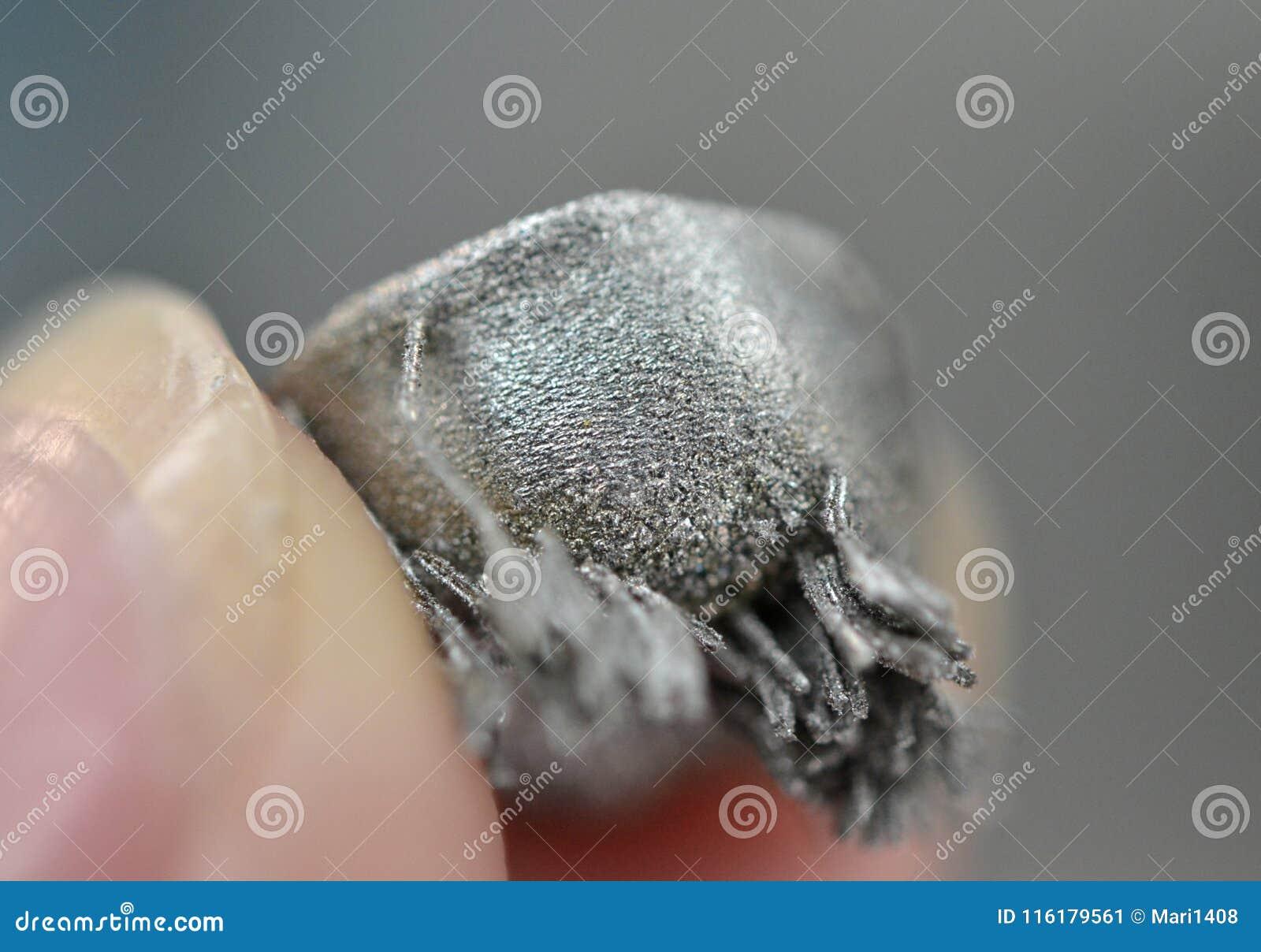 Μικρό αντικείμενο που τυπώνεται στην τρισδιάστατη μακροεντολή εκτυπωτών μετάλλων