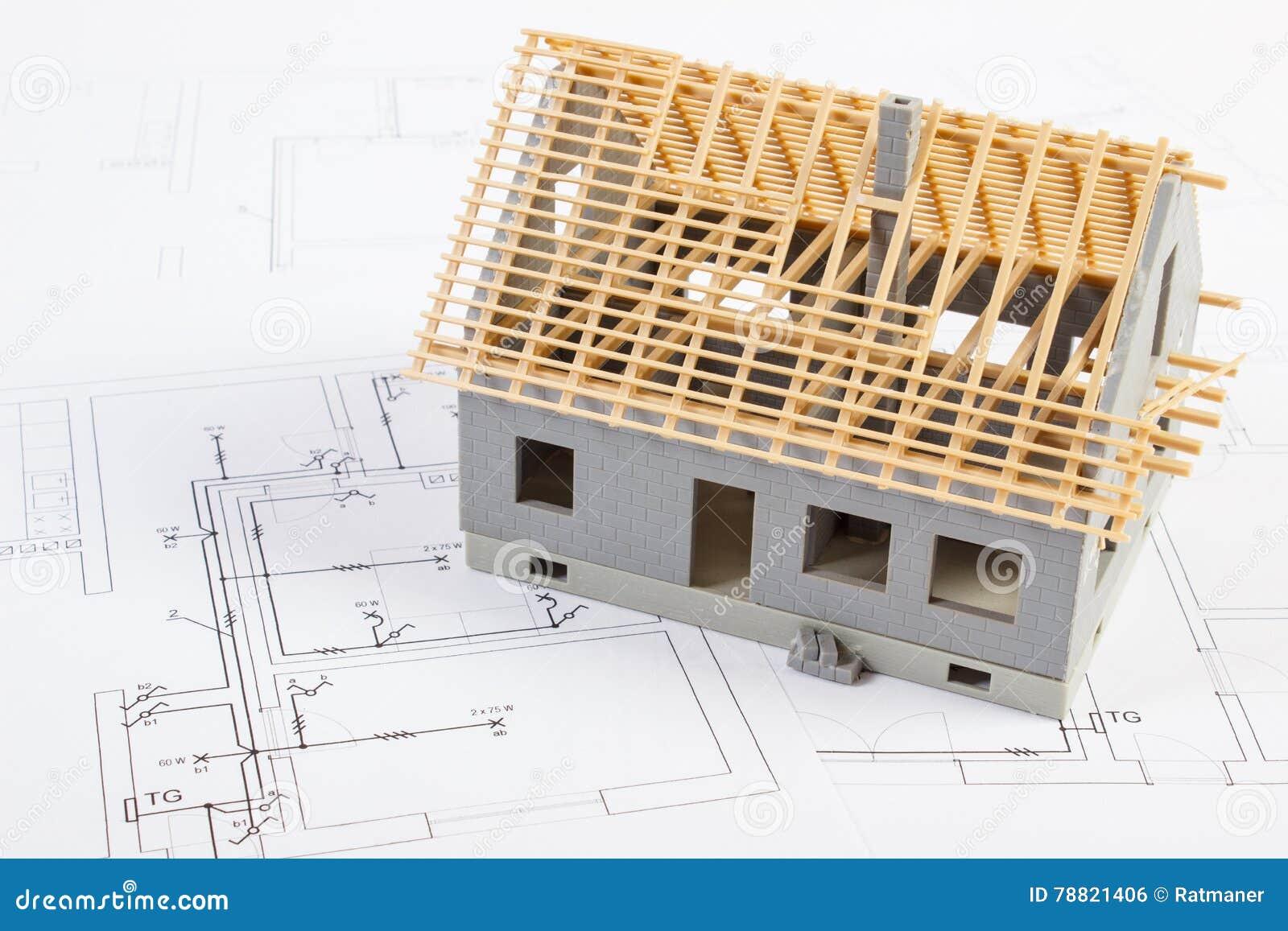 681e79974b00 Μικρό σπίτι κάτω από την κατασκευή στα ηλεκτρικά σχέδια για το πρόγραμμα