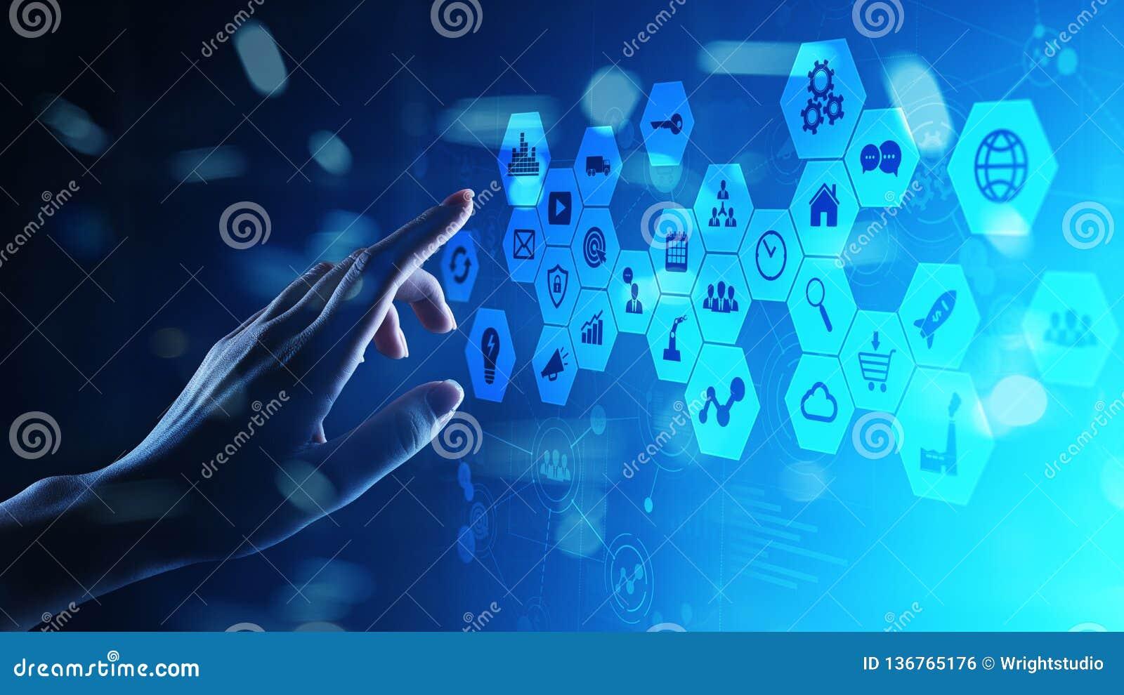 Μικτά μέσα, εικονίδια επιχειρηματικής κατασκοπείας στην εικονική οθόνη, την ανάλυση και τα μεγάλα στοιχεία - ταμπλό επεξεργασίας