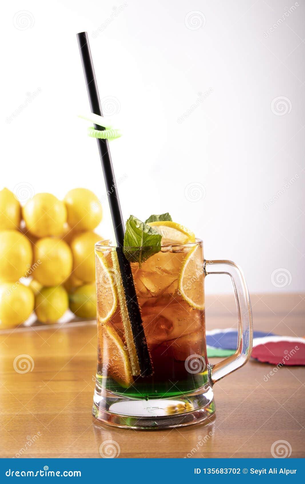 Μικτό κρύο ποτό