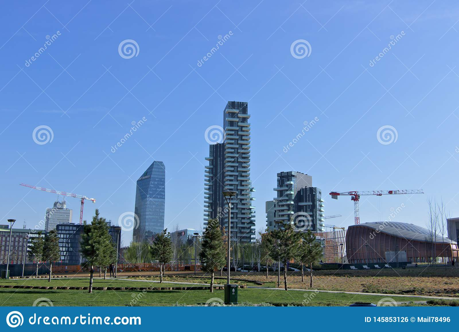 Μιλάνο, Ιταλία r Κατοικημένος σύνθετος Torre Solaria, Torre Aria και Torre Solea