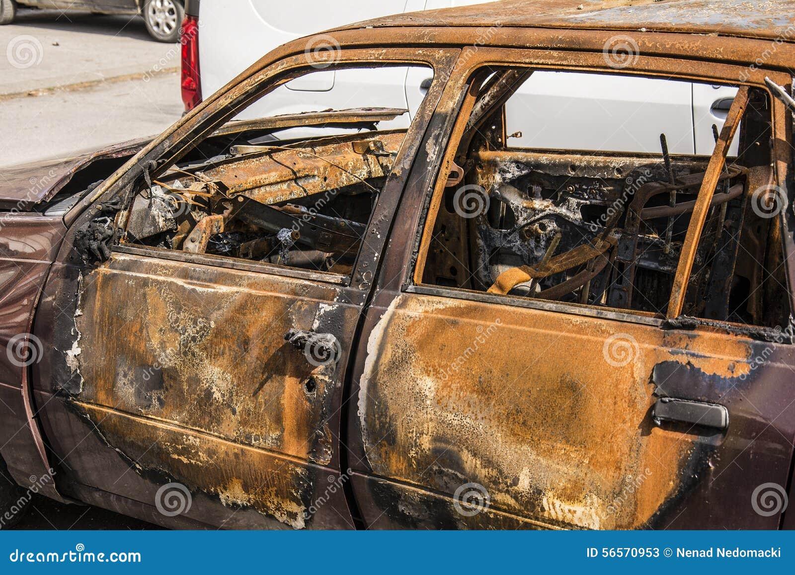 Download μμένο αυτοκίνητο στοκ εικόνα. εικόνα από μμένος, παλαιός - 56570953