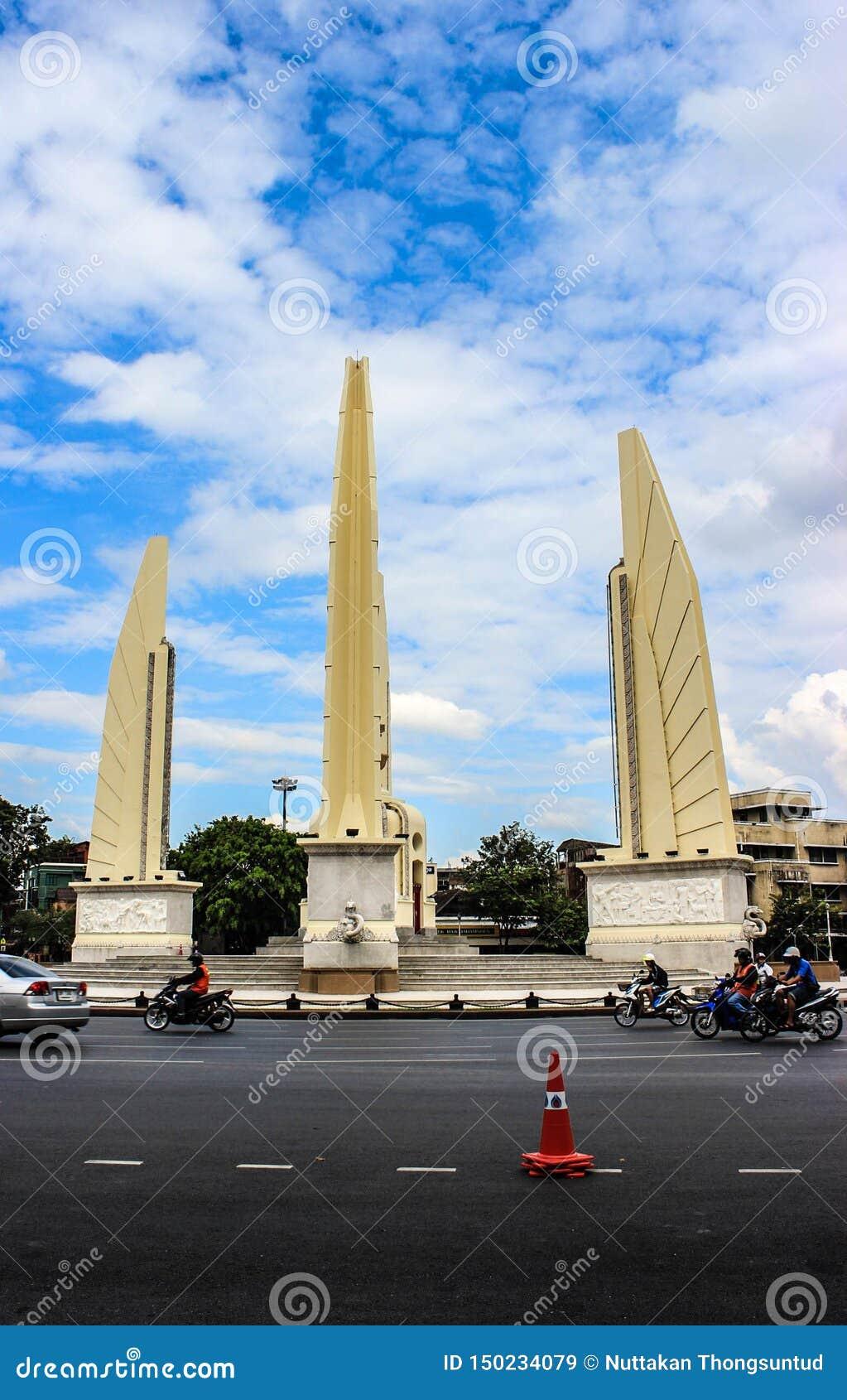 Μνημεία δημοκρατίας στην Ταϊλάνδη