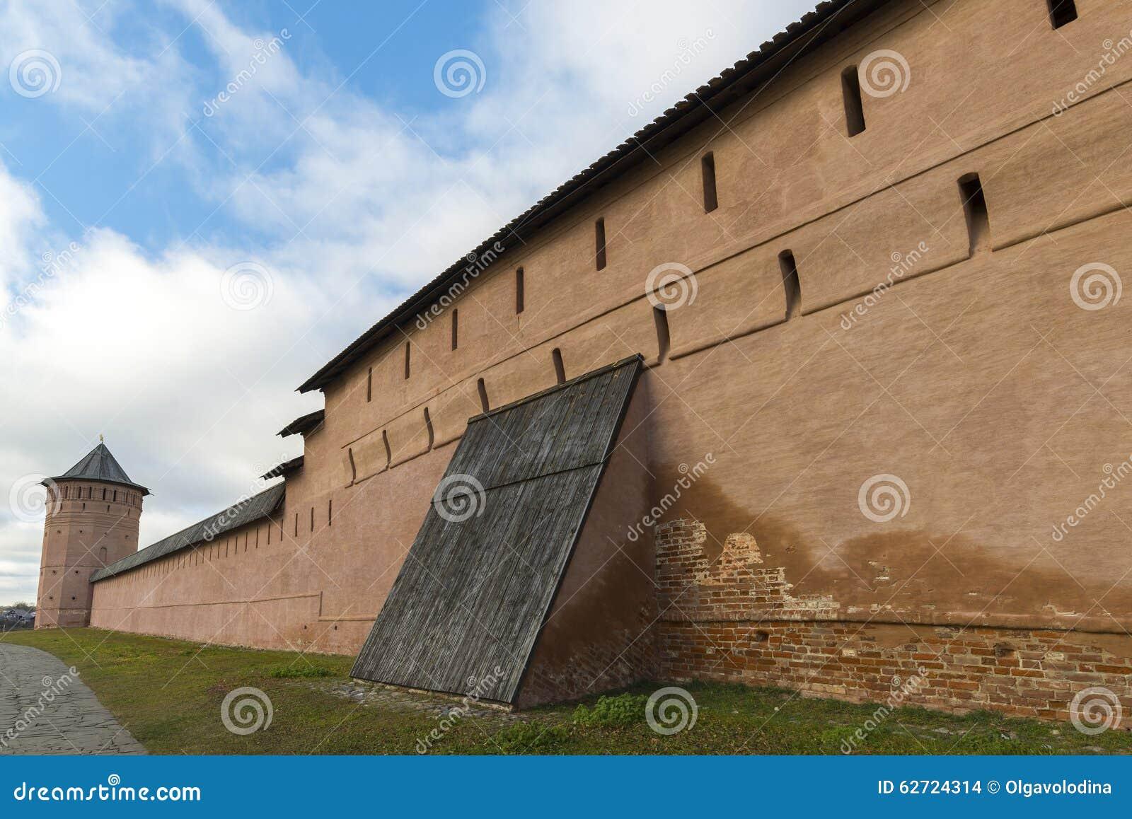 Μοναστήρι του ST Euthymius τοίχων στο Σούζνταλ, που ιδρύεται σε 1350 Χρυσό δαχτυλίδι του ταξιδιού της Ρωσίας