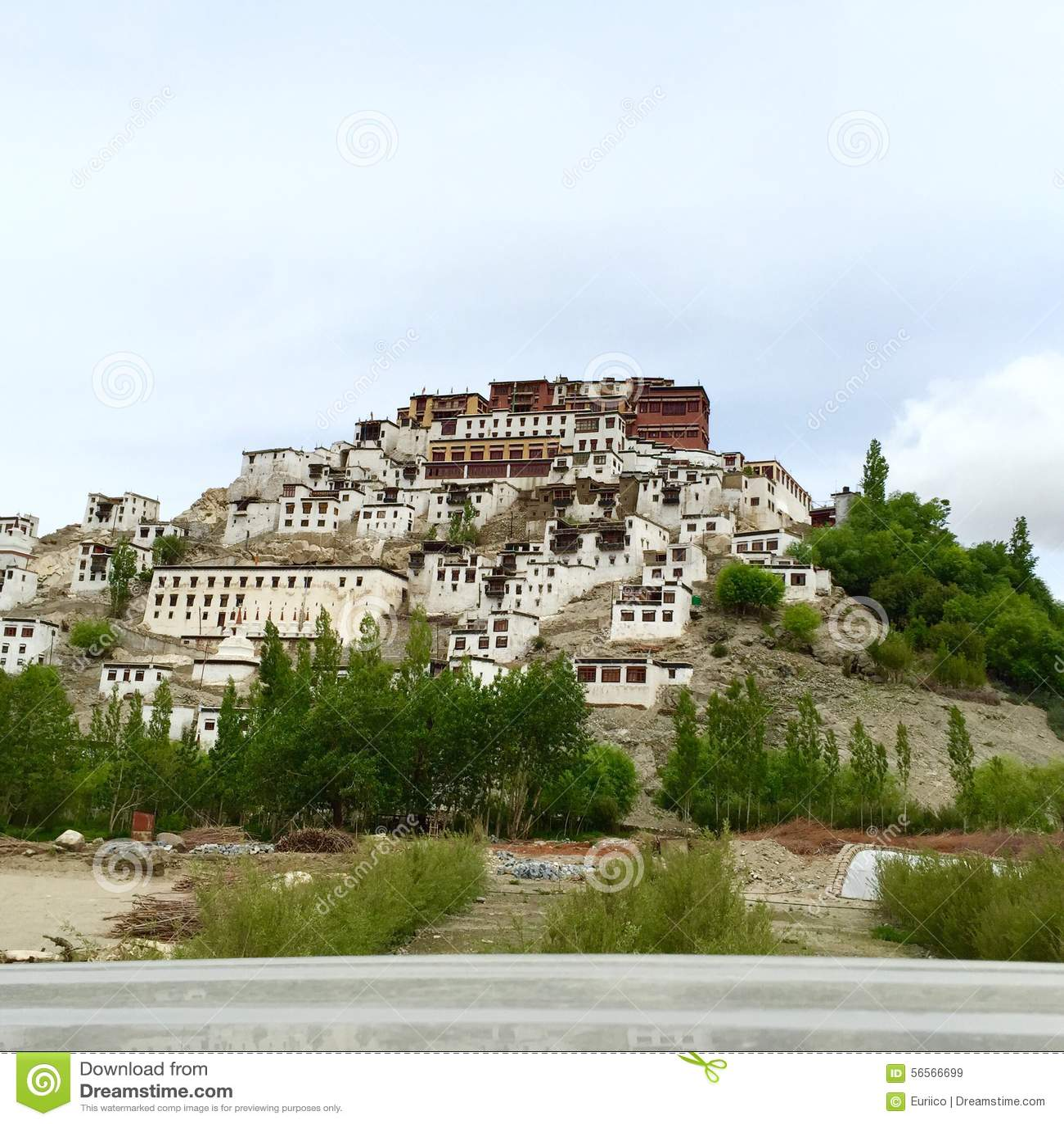 Download Μοναστήρι Thiksay σε Leh, Ινδία Στοκ Εικόνα - εικόνα από σύνθετος, μέτρα: 56566699