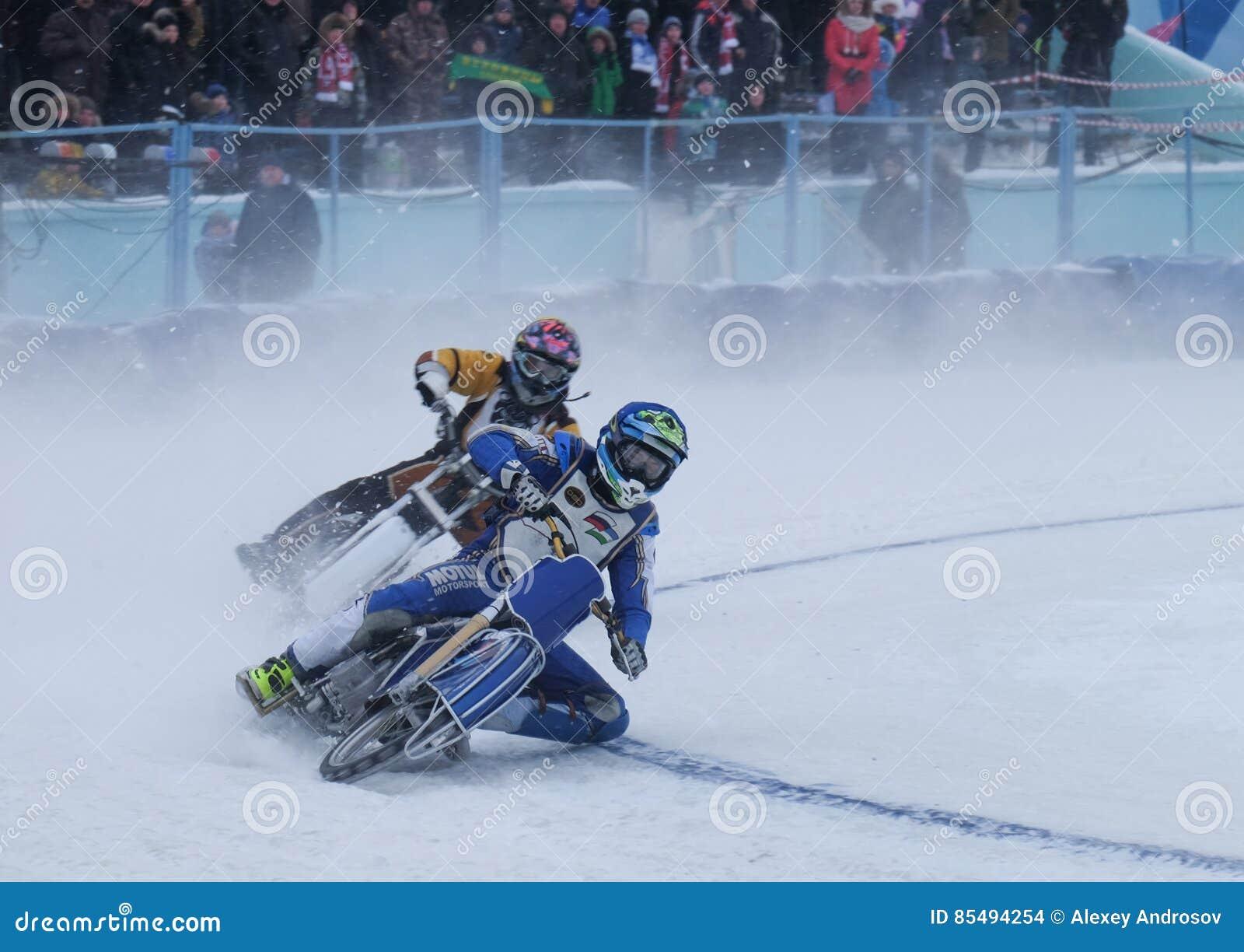 Μοτοσικλέτα που συναγωνίζεται στον πάγο