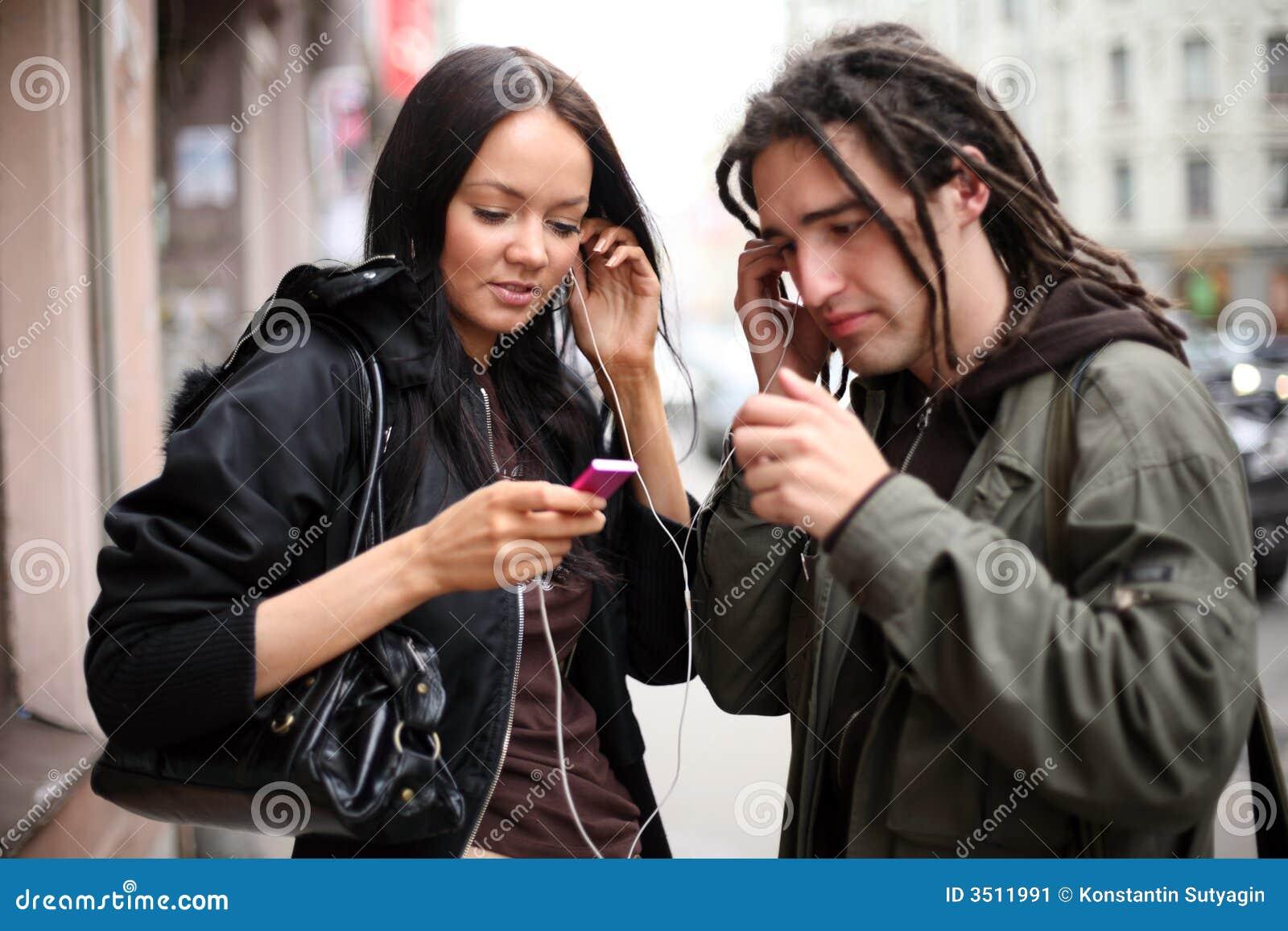 μουσική ακούσματος ζευγών στις νεολαίες