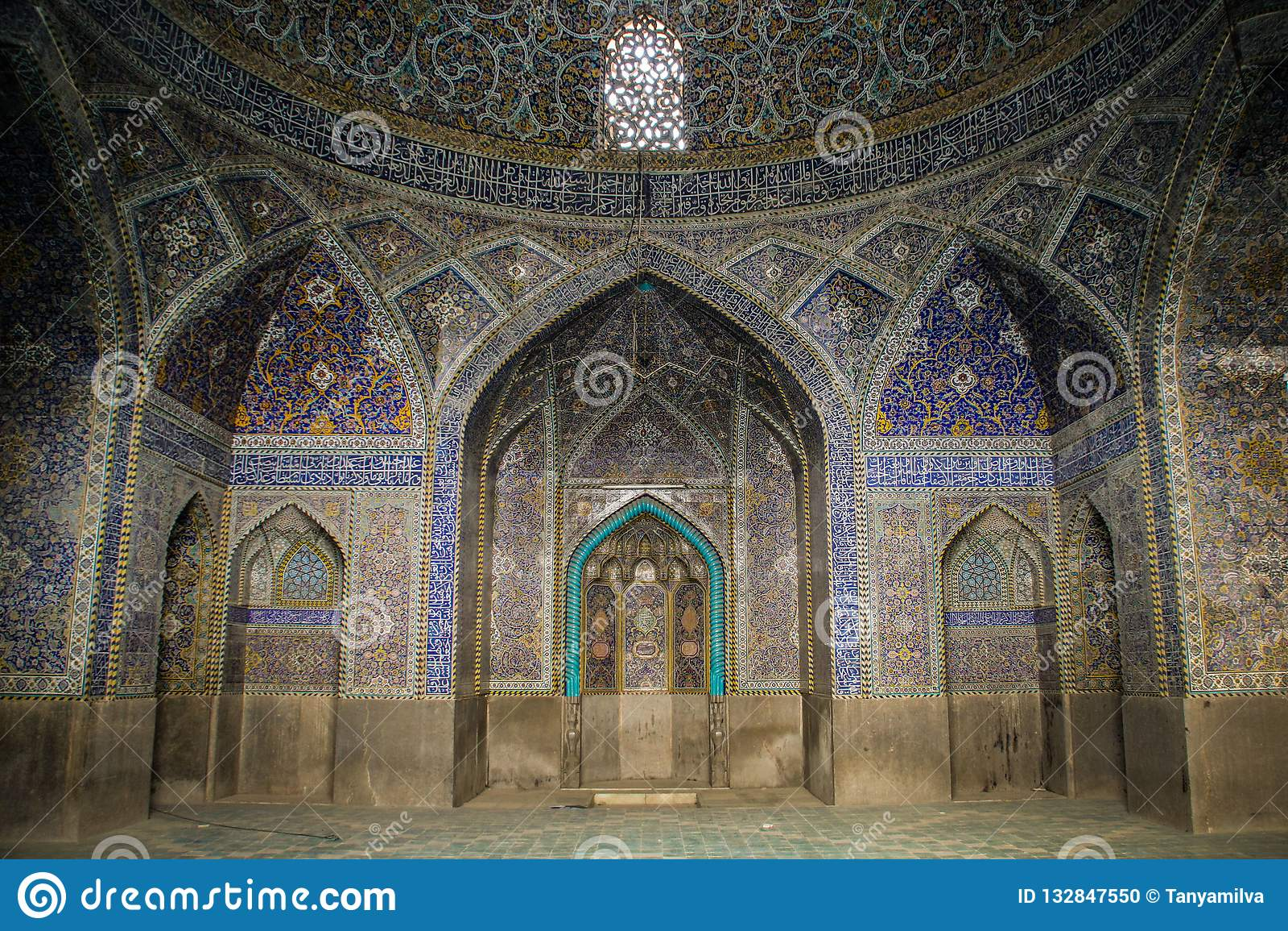 Μουσουλμανικό τέμενος στο μπλε του Ισφαχάν Παραδοσιακές διακοσμήσεις και διακοσμήσεις Ιράν