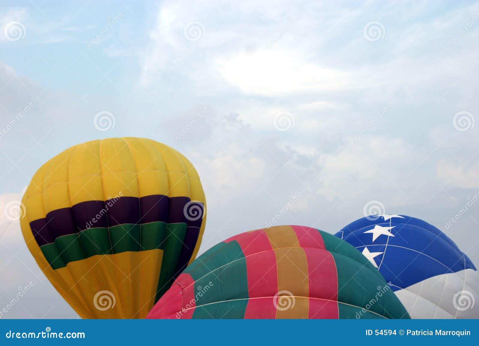 μπαλόνια τρία