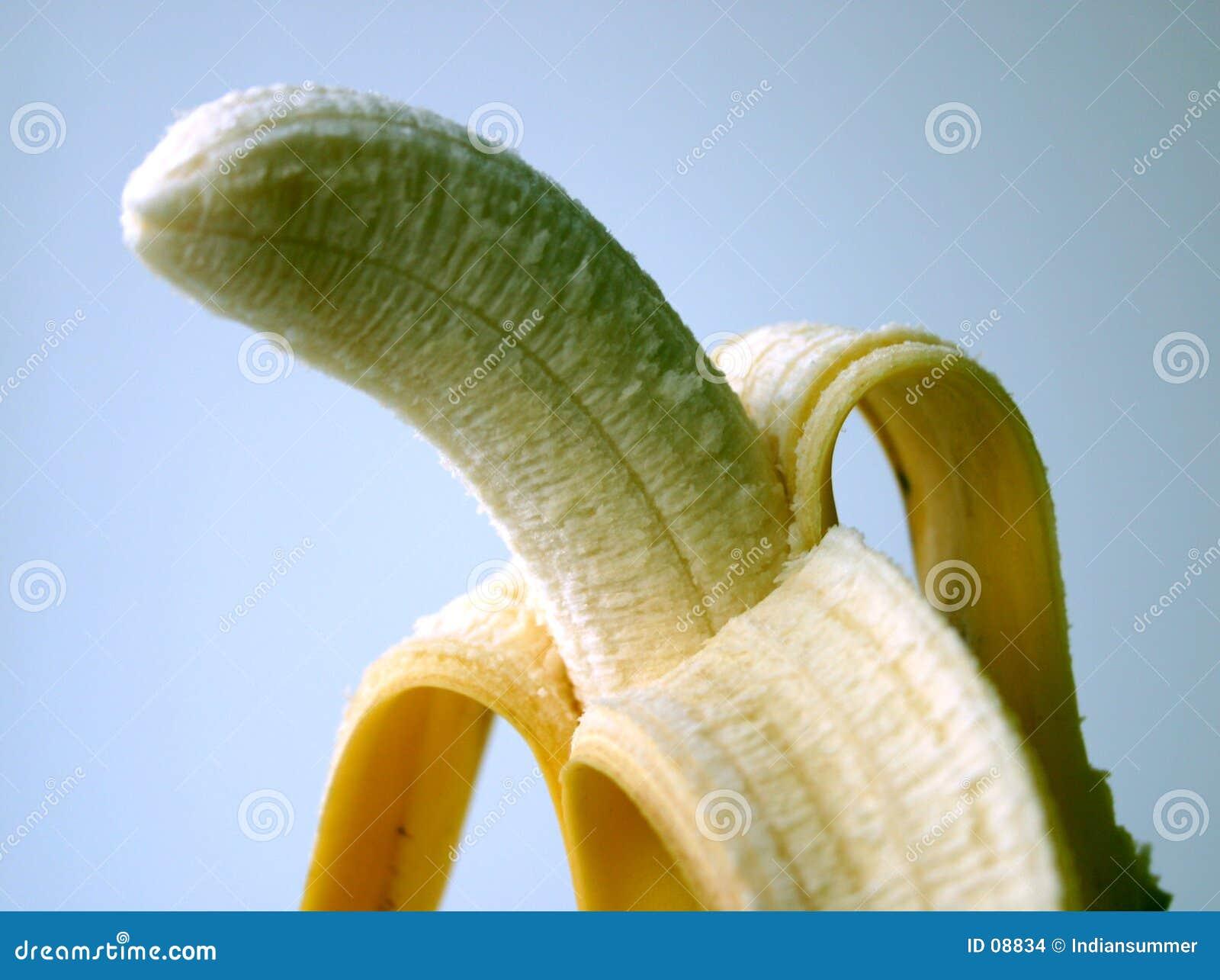 μπανάνα που ξεφλουδίζεται