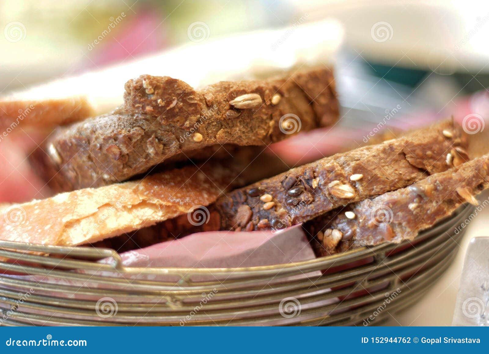 Μπισκότα που εξυπηρετούνται με το τσάι πρωινού