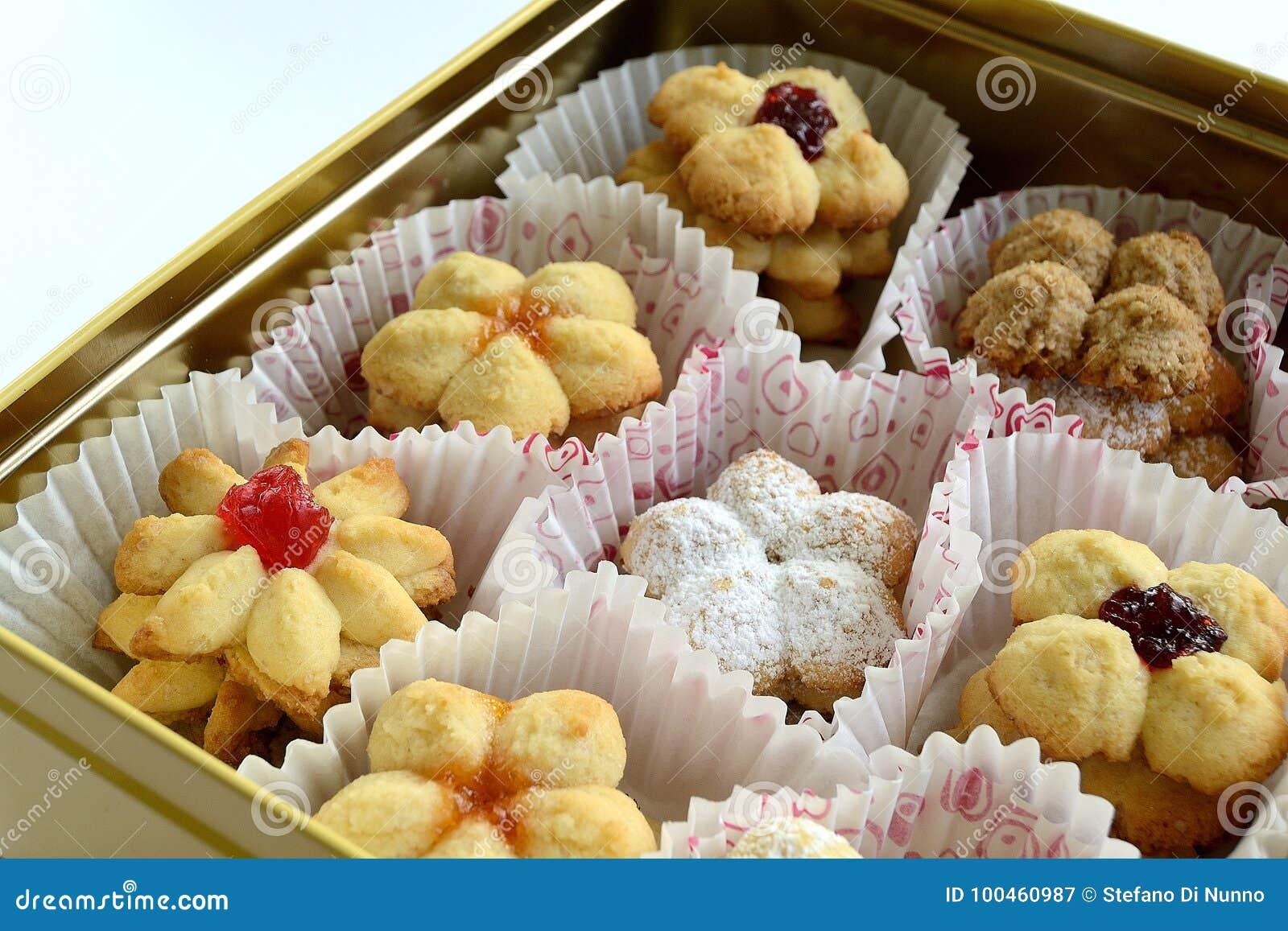 Μπισκότα στο κιβώτιο