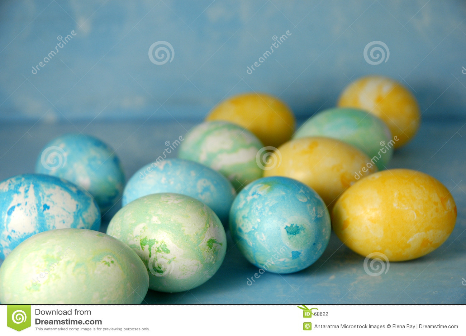 μπλε αυγά Πάσχας ανασκόπη&sig