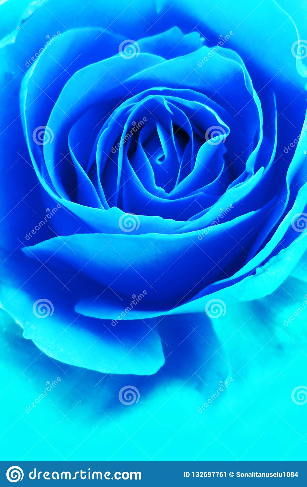 μπλε αυξήθηκε