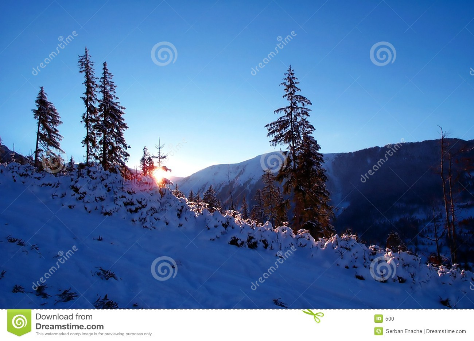 μπλε λυκόφως βουνών