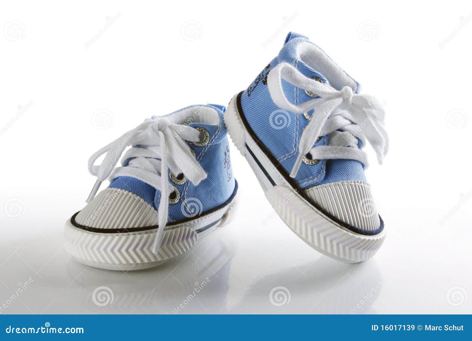μπλε παπούτσια αντανάκλα&si