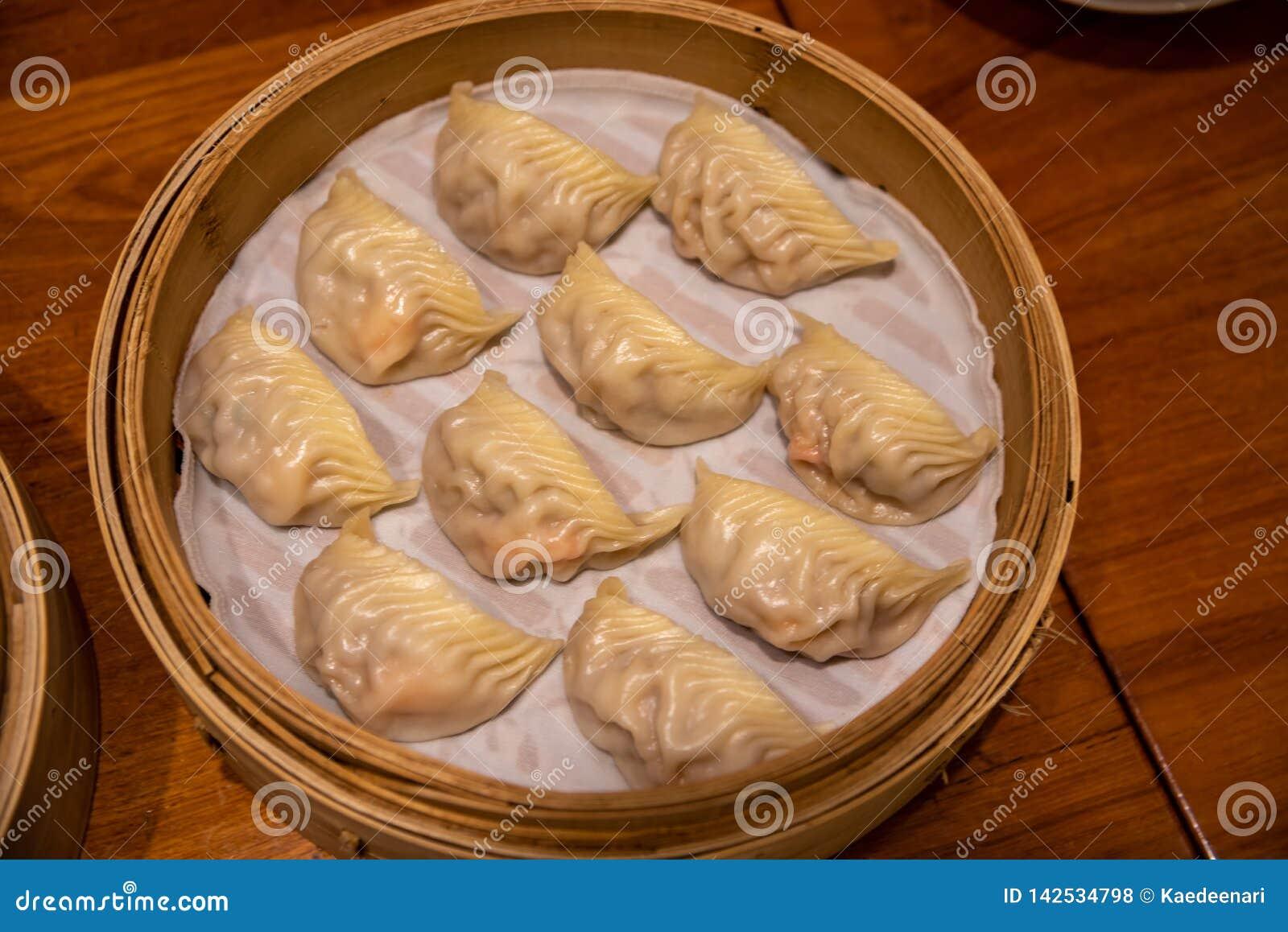 μπουλέττες που βράζουν &si Το Michelin απονεμημένο αστέρι DIN Tai Fung ταξινομείται ως ένα από το παγκόσμιο top 10 καλύτερο εστια