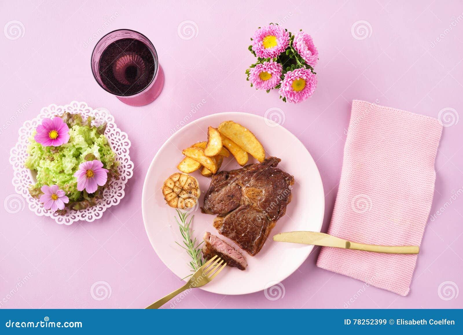 Μπριζόλα με τη σαλάτα