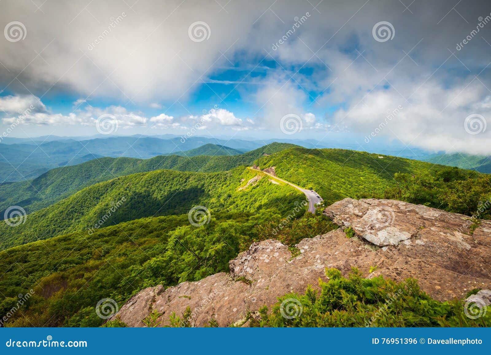 Μπλε βουνά της βόρειας Καρολίνας χώρων στάθμευσης κορυφογραμμών φυσικά υπαίθρια