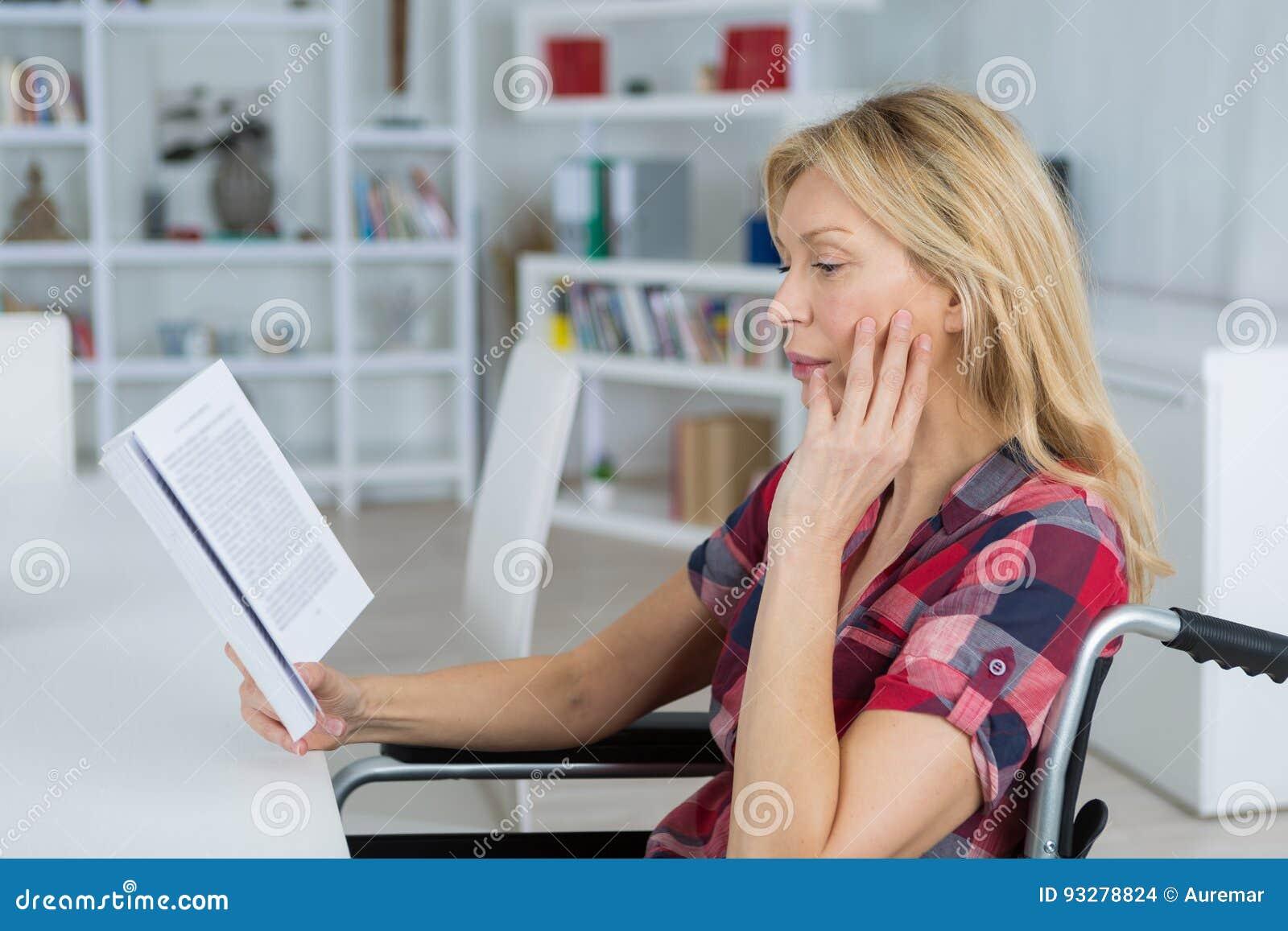 Μυθιστόρημα ανάγνωσης με ειδικές ανάγκες γυναικών