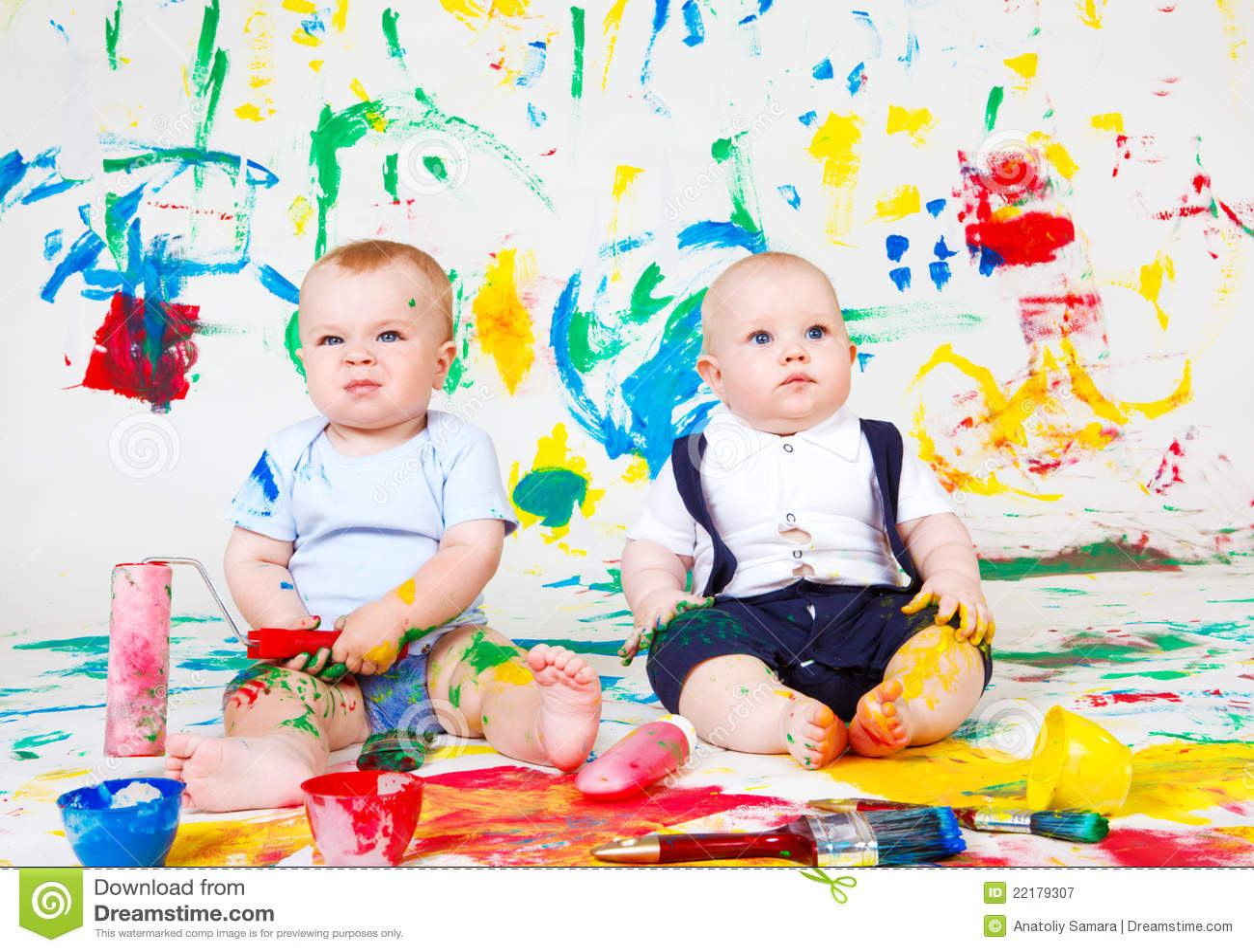 μωρά που χρωματίζονται