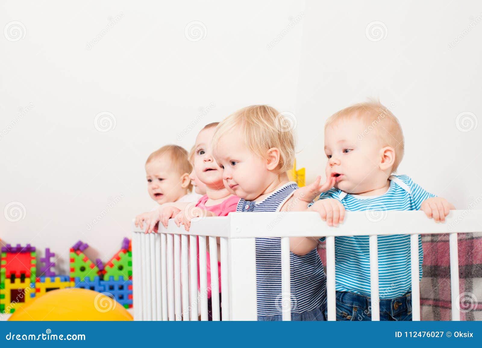 Μωρά στο παχνί