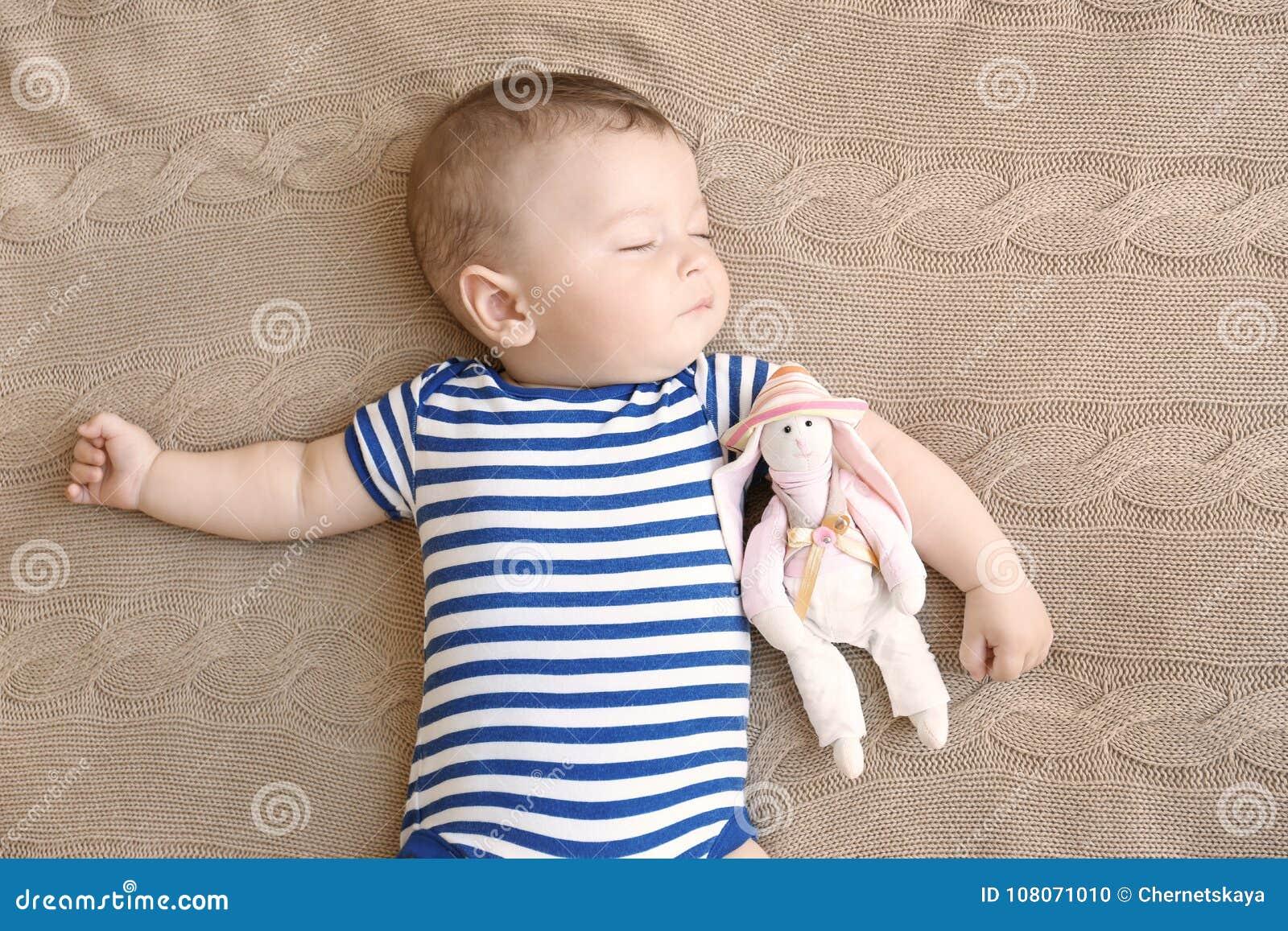μωρό χαριτωμένο λίγος ύπνο&sigma