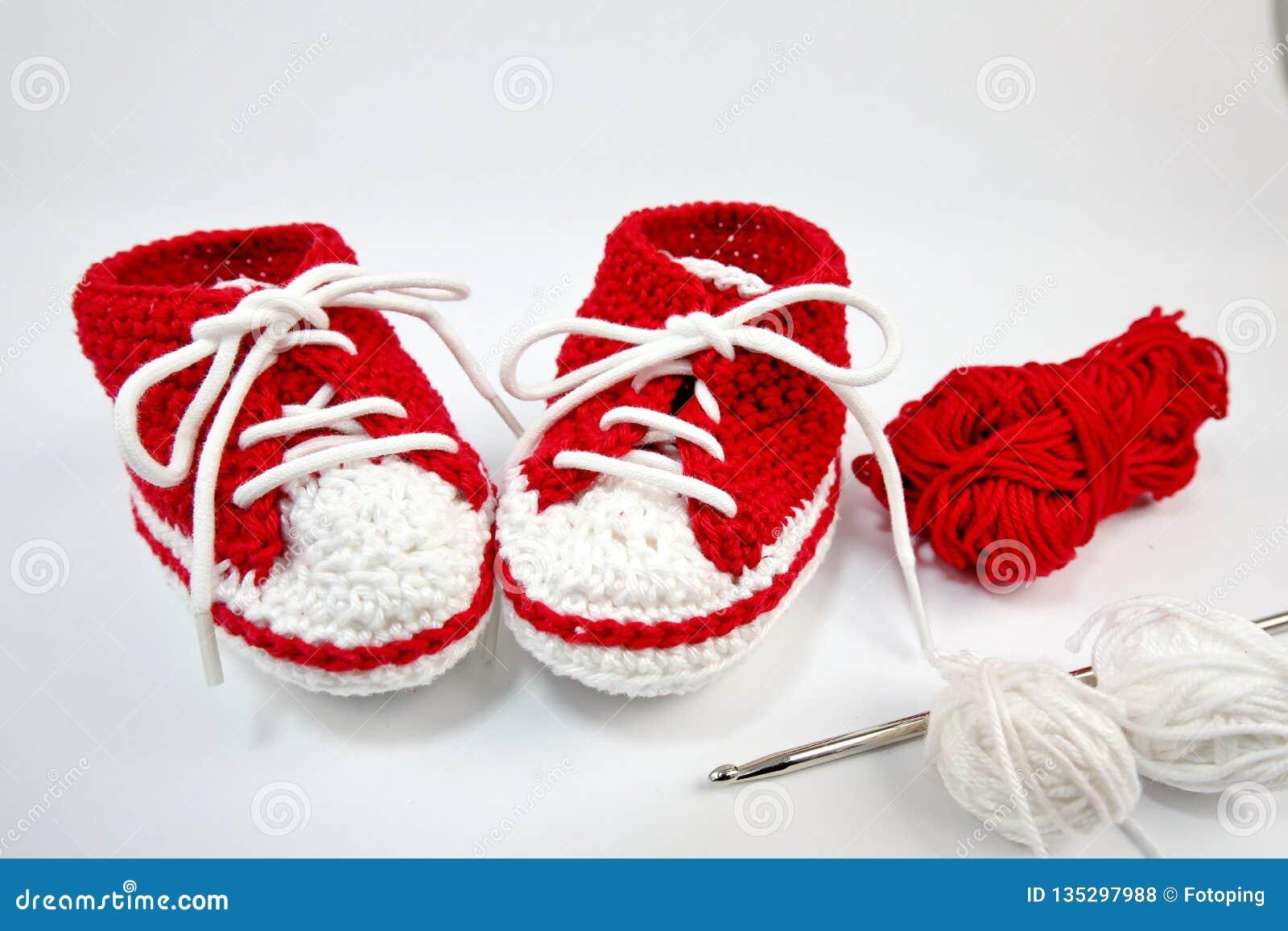 μόνος-πλεγμένα παπούτσια μωρών φιαγμένα από βαμβάκι