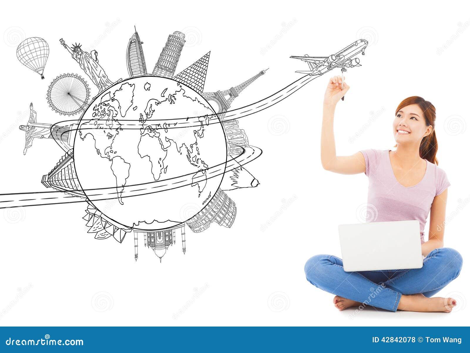 Νέα γυναίκα που σύρει έναν προγραμματισμό ταξιδιού ταξιδιού
