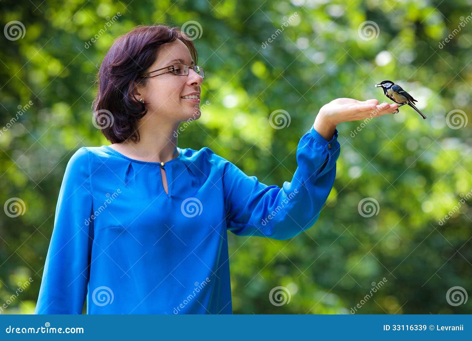 μεγάλο κορίτσι μεγάλο πουλί μεγάλα μαύρα βυζιά πίπα