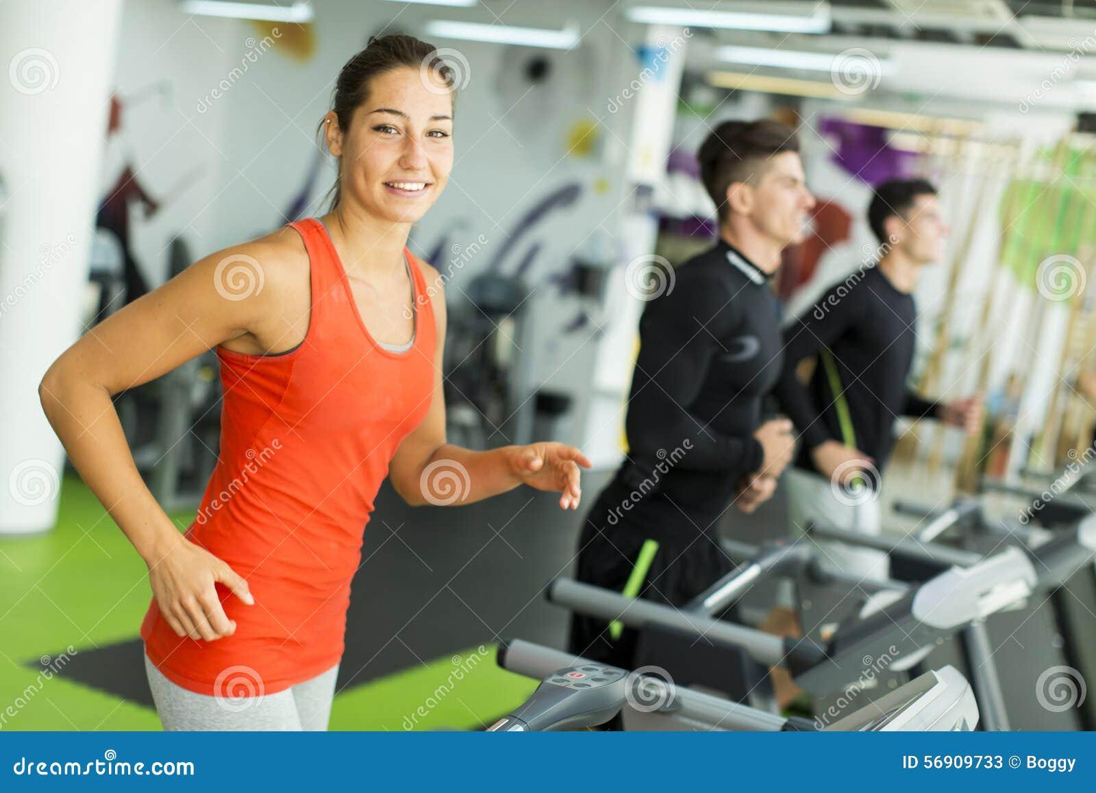Νέα κατάρτιση γυναικών στη γυμναστική