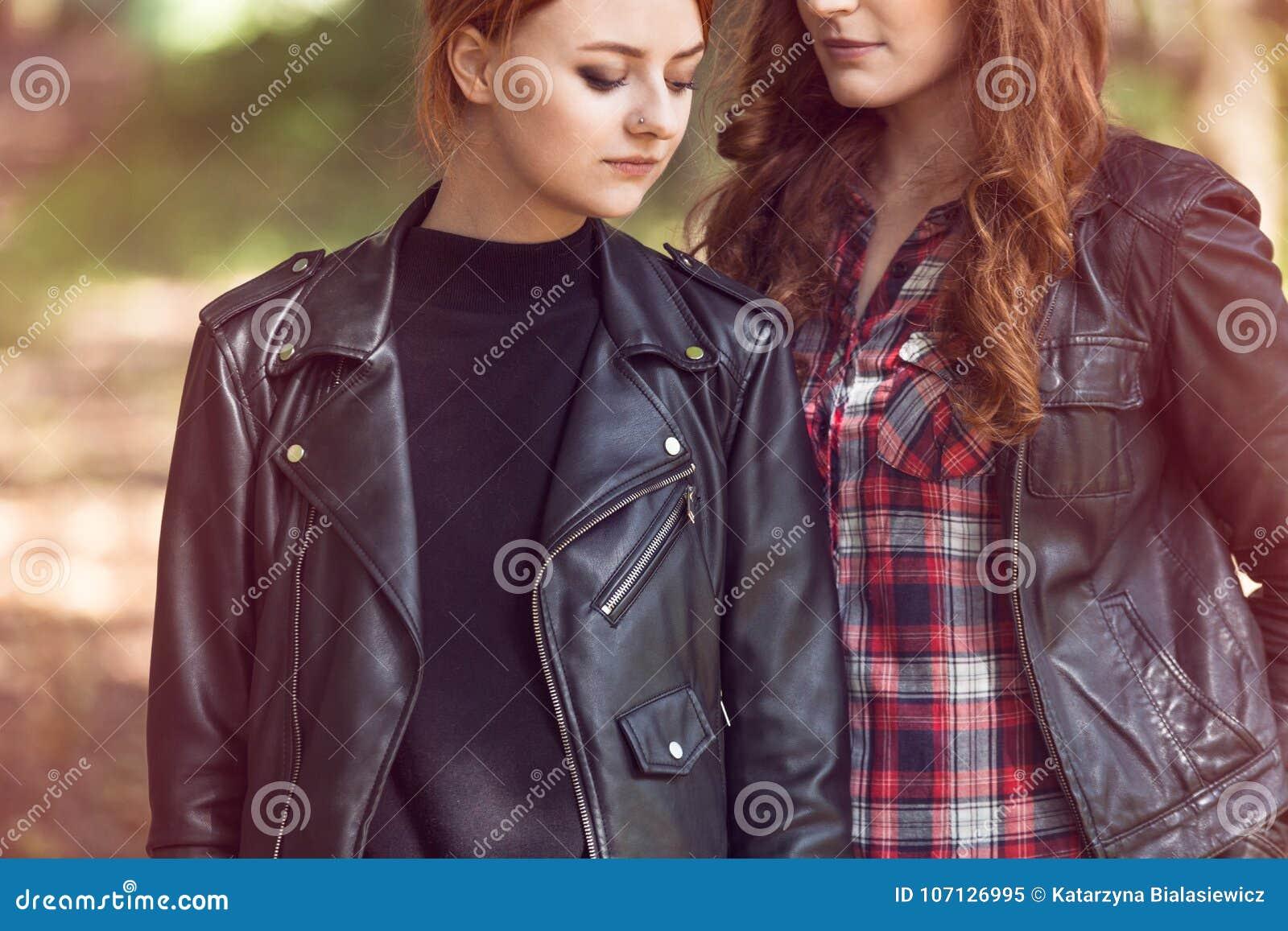 μαύρα κορίτσια λεσβία εικόνες