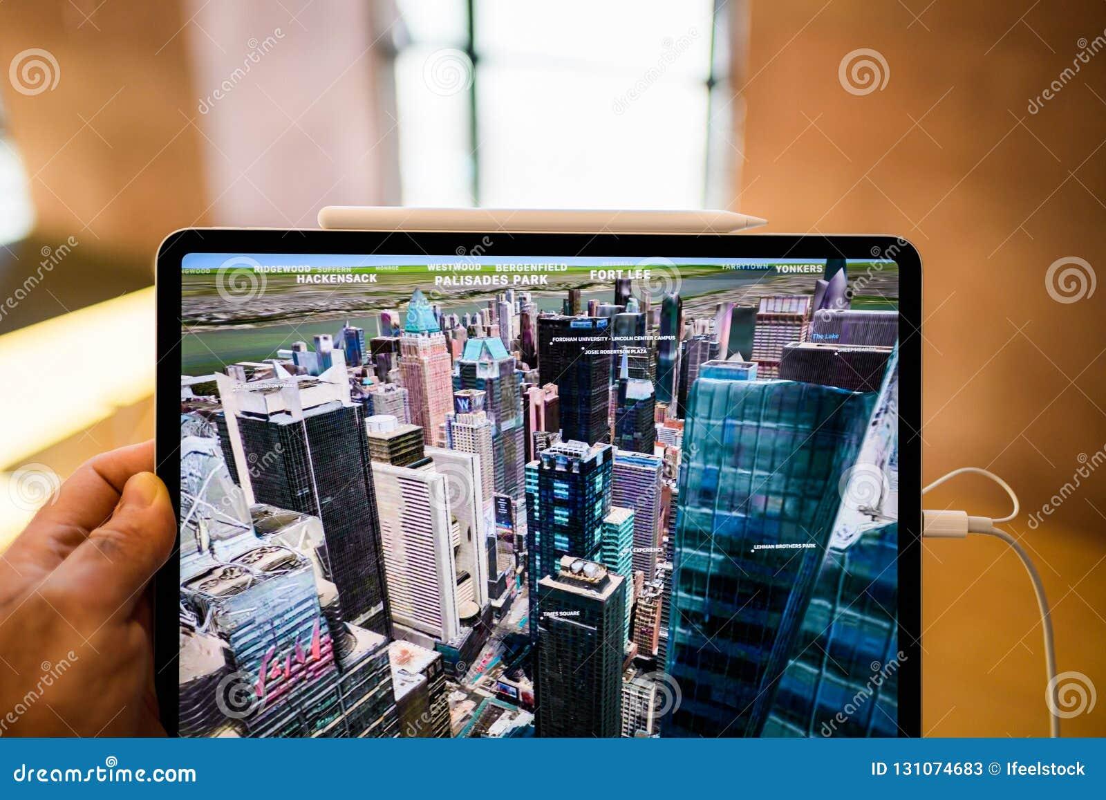Νέα υπέρ ταμπλέτα υπολογιστών της Apple iPad που χρησιμοποιεί flyover τη Νέα Υόρκη