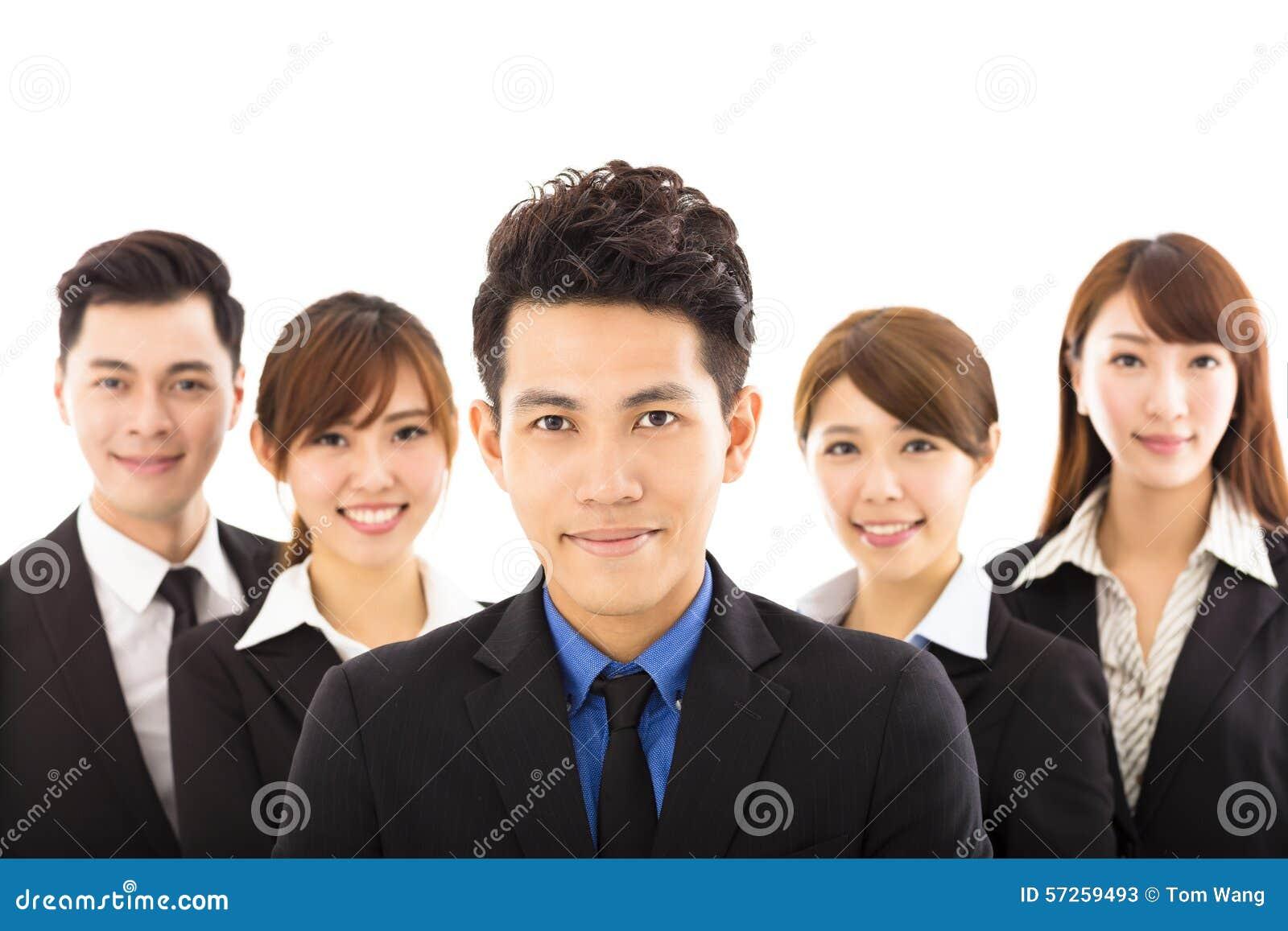 Νέος επιχειρηματίας με την επιτυχή επιχειρησιακή ομάδα