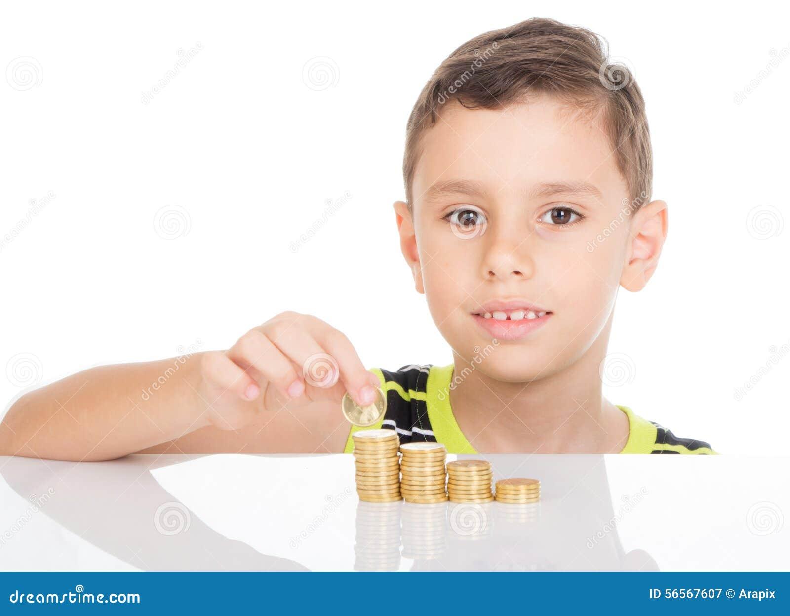 Download Νέο αγόρι που μετρά τα νομίσματά του Στοκ Εικόνα - εικόνα από οικονομικός, εκπαίδευση: 56567607