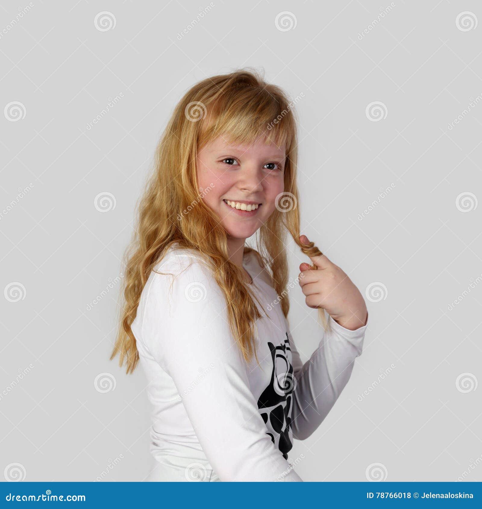 Νέο αρκετά redhead κορίτσι