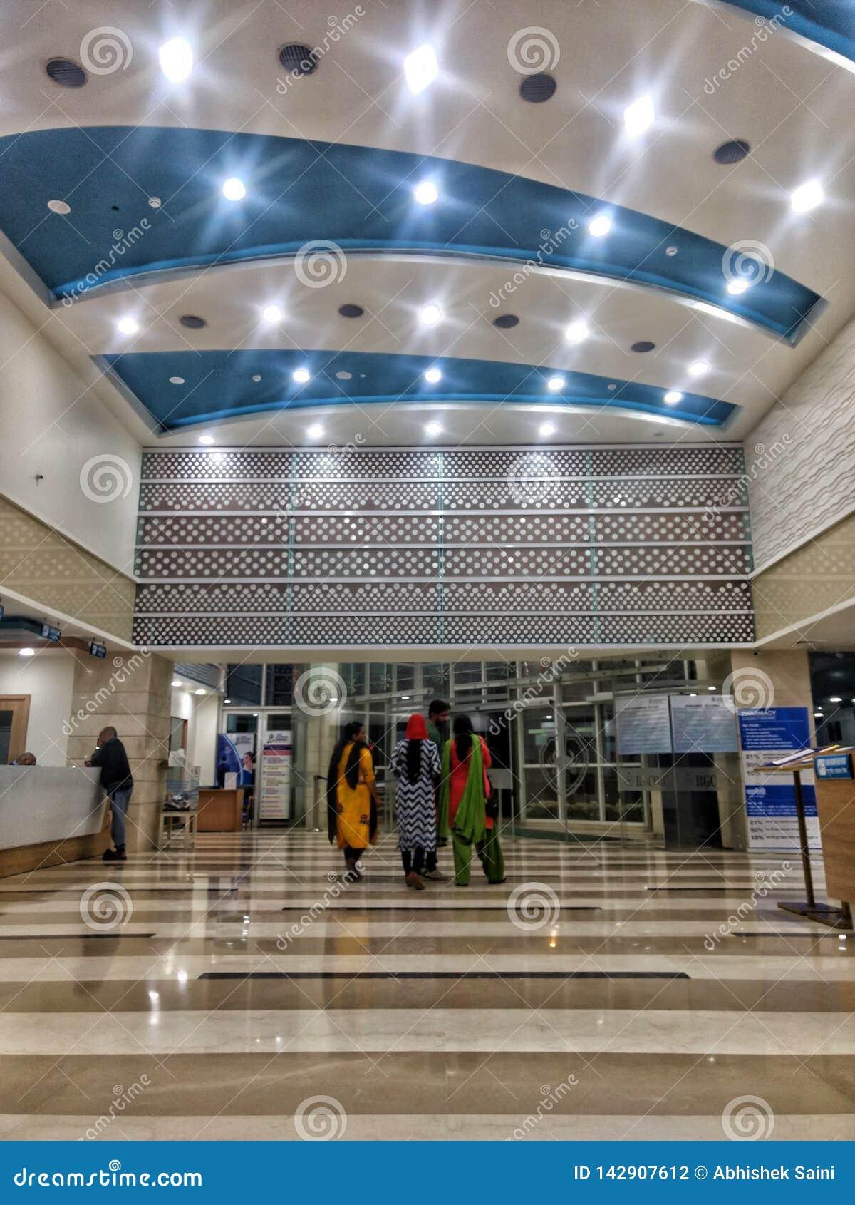 Νέο Δελχί, Ινδίας - 14,2019 Μαρτίου: εσωτερική άποψη του ιδρύματος καρκίνου της Ρατζίβ Γκάντι & του ερευνητικού κέντρου   Νοσοκομ