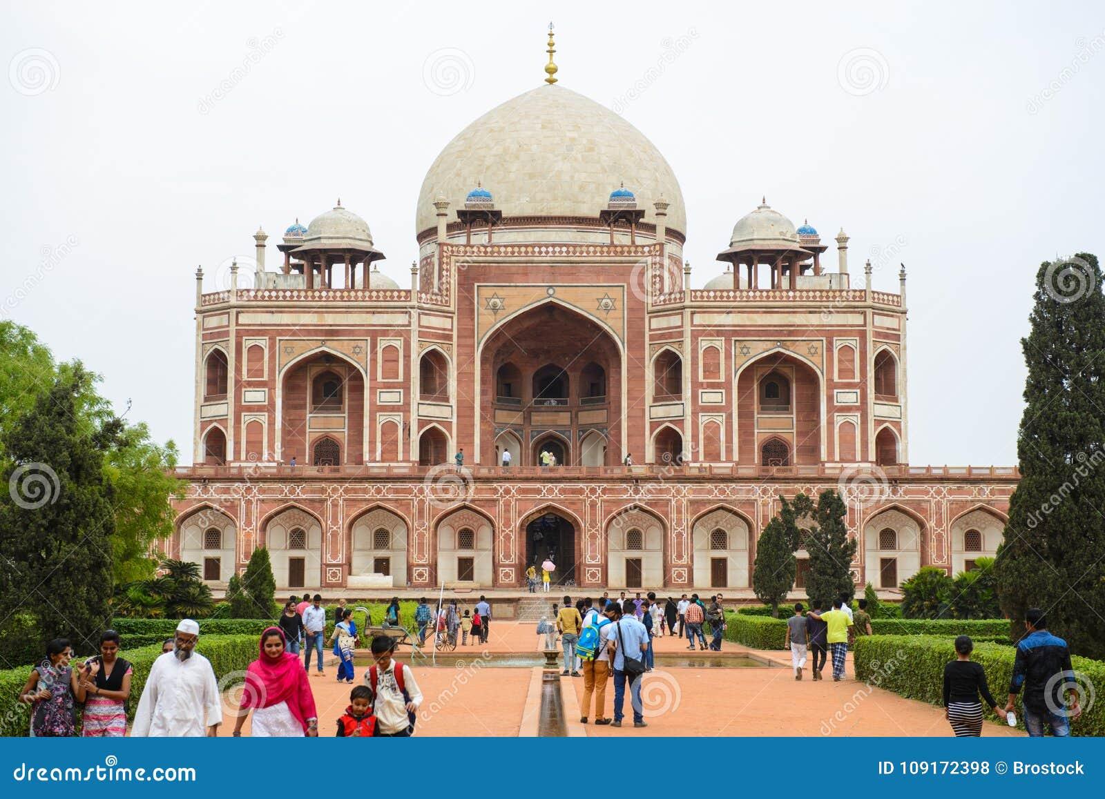 Νέο Δελχί, Ινδία - 10 Απριλίου 2016: Τάφος Humayun ` s σύνθετος, ο τάφος του αυτοκράτορα Humayun Mughal στο Δελχί, Ινδία