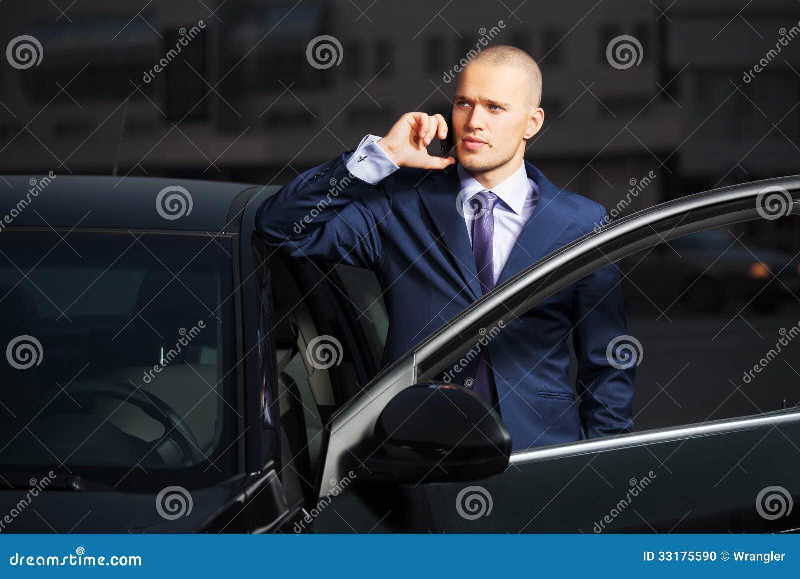 Νέο επιχειρησιακό άτομο που καλεί το τηλέφωνο