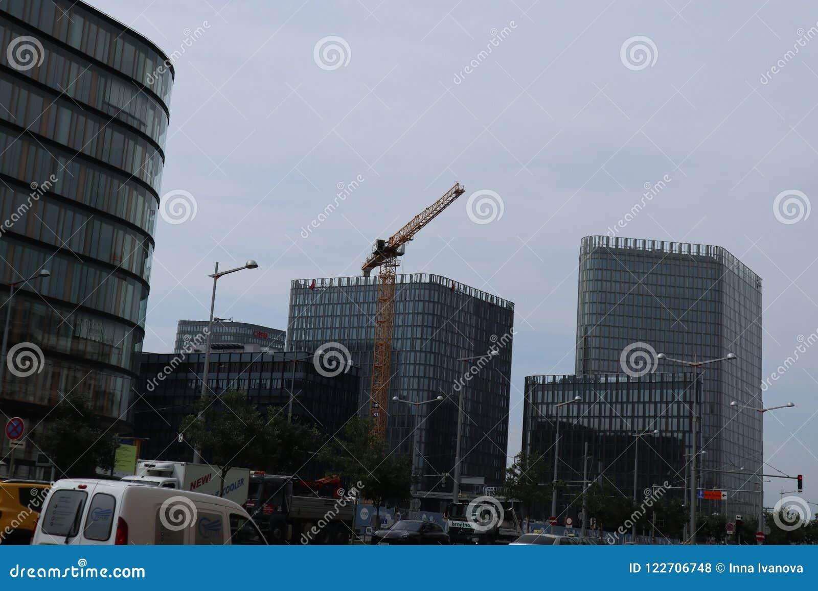 Νέο πολυόροφο κτίριο