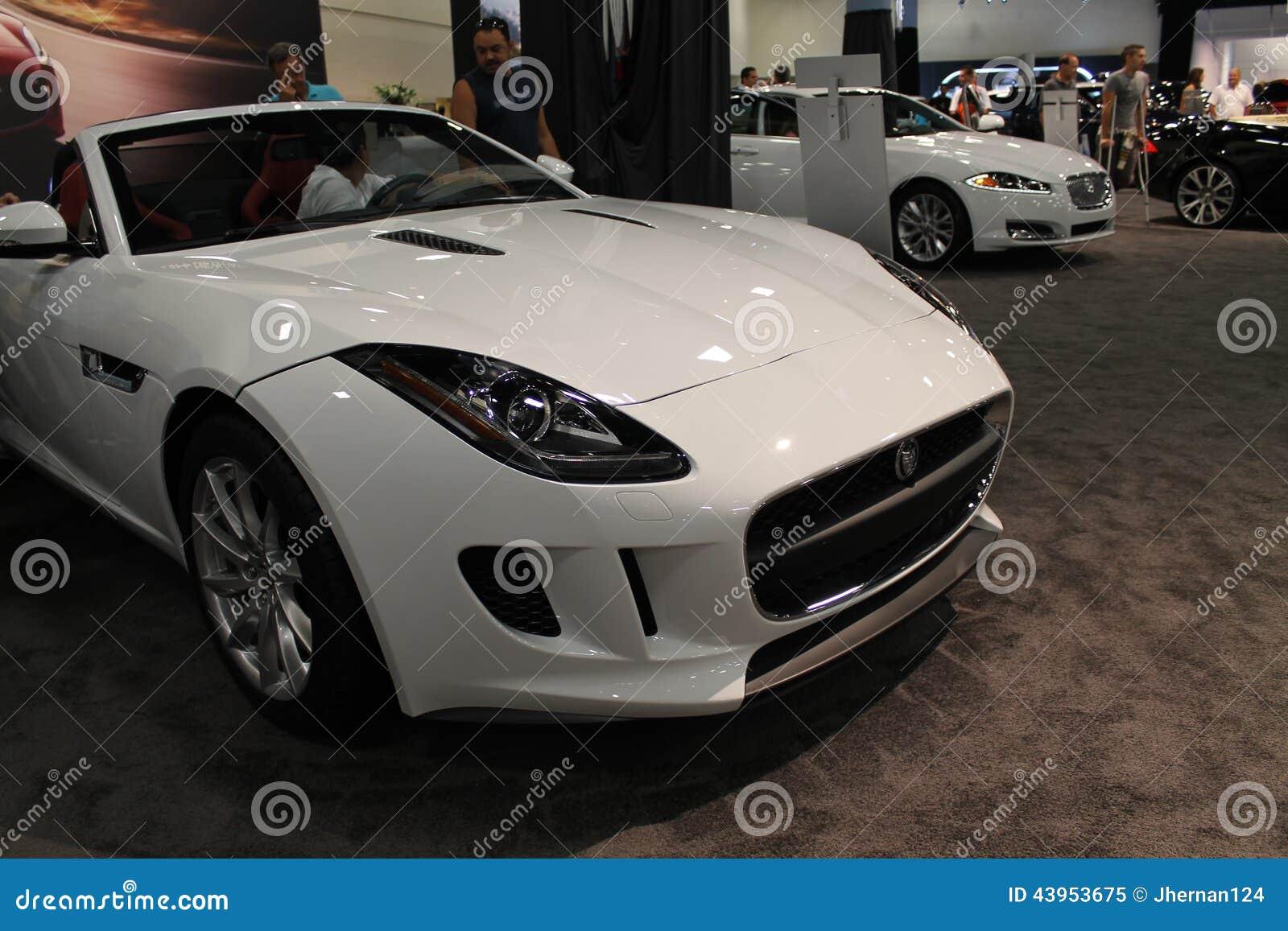 Νέο jag αθλητικό αυτοκίνητο