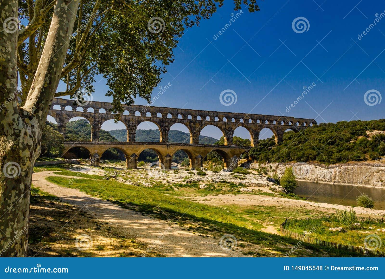 Νίκαια που πυροβολείται του pont du Gard, νότια Γαλλία, gardon ποταμός